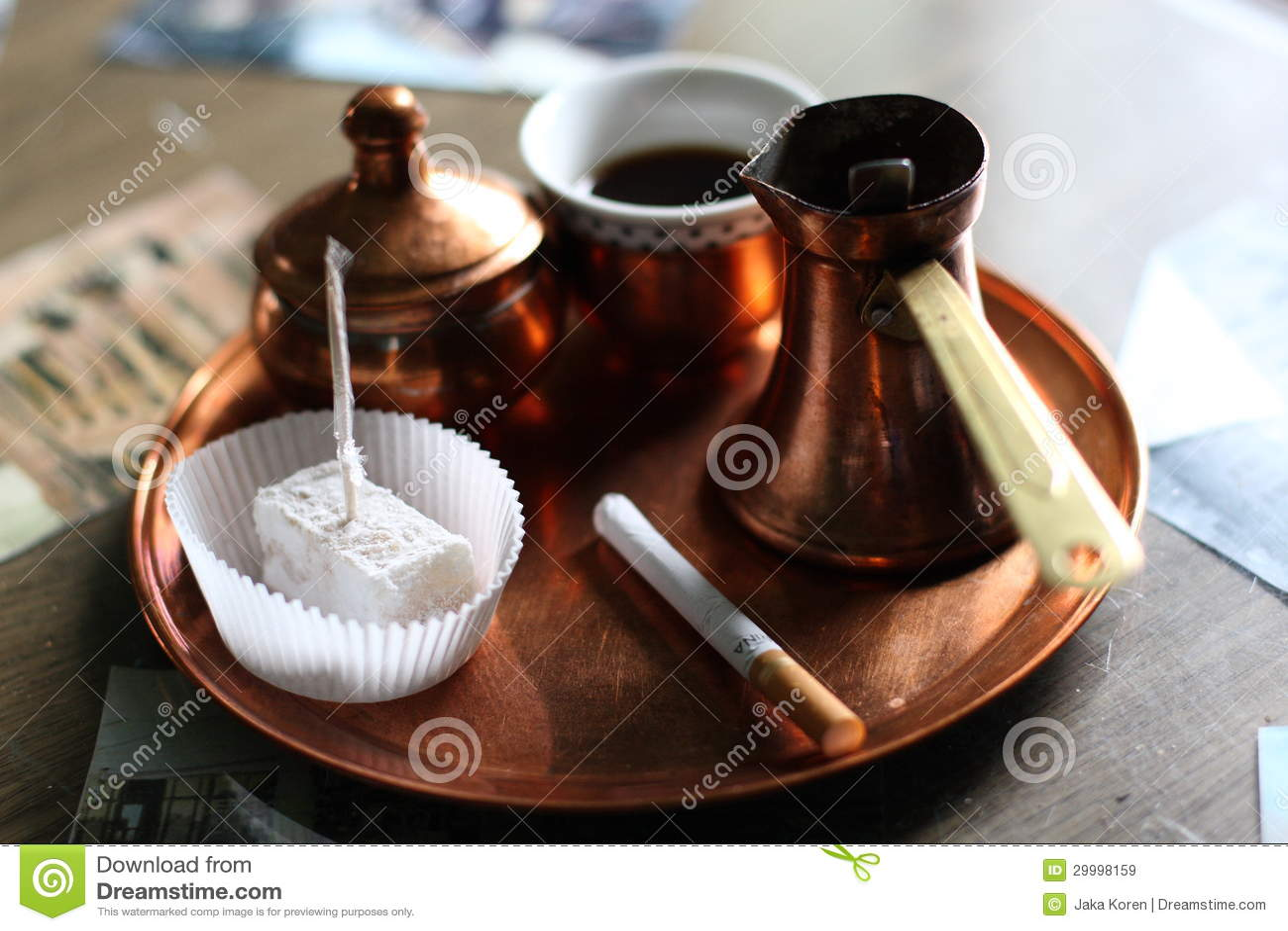 Zwarte bosnische koffie royalty vrije stock afbeeldingen afbeelding 29998159 - Na de zwarte bank ...