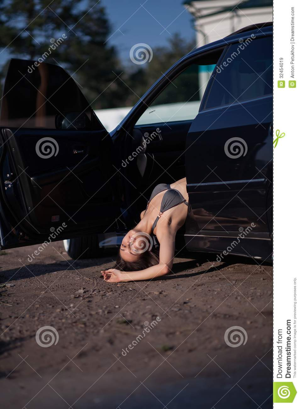 Dead Woman In Car Royalty Free Stock Images Image 32454019