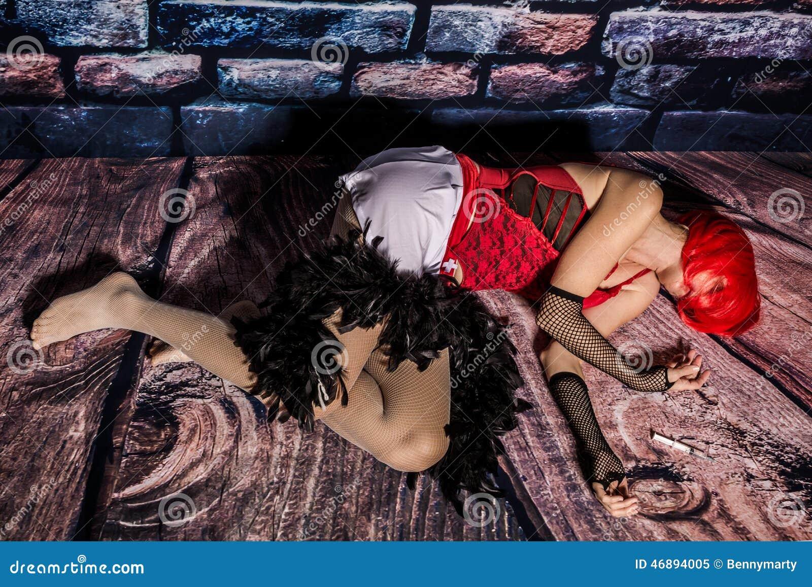 Syringe on street girl 5 jeringa en la calle a jovencita 5 - 3 part 4