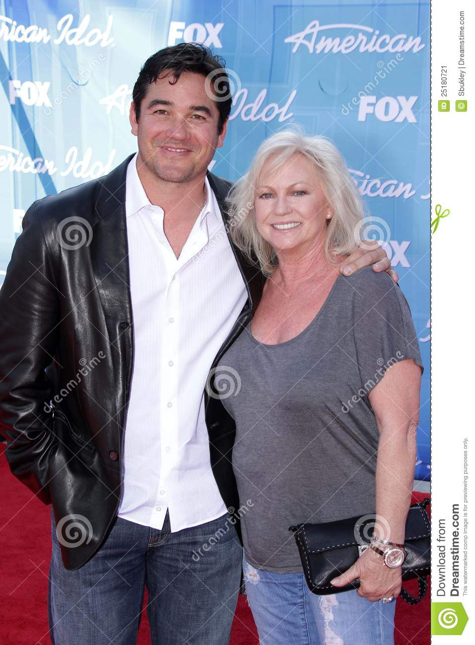 Dean Cain And Mom Editorial Photo Image Of Cain Theatre