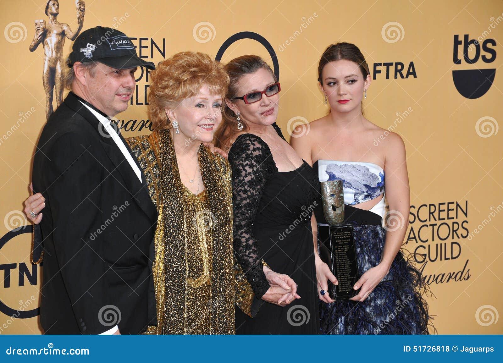 Debbie Reynolds y Carrie Fisher y Todd Fisher y Billie Lourd