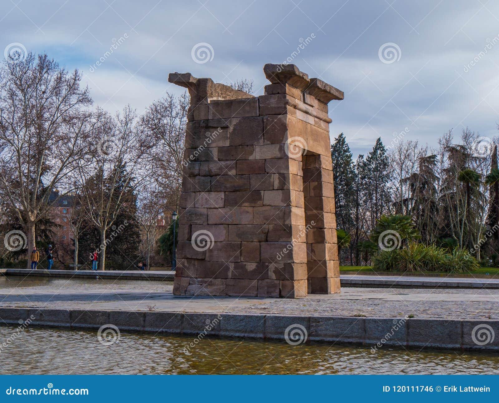 Debod-Tempel am Westpark in Madrid - Templo de Debod