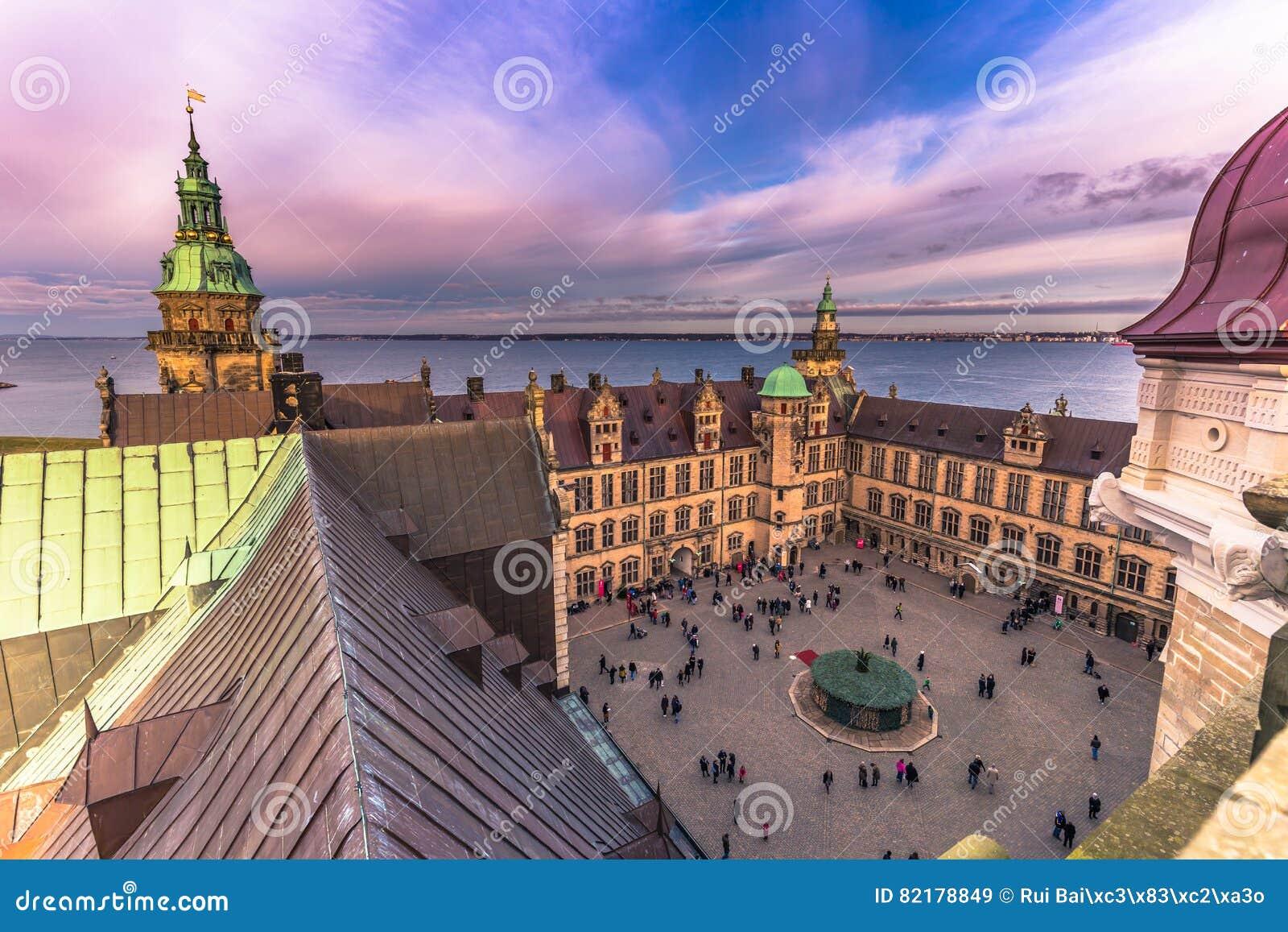 03 december, 2016: Binnenplaats van Kronborg-kasteel, Denemarken