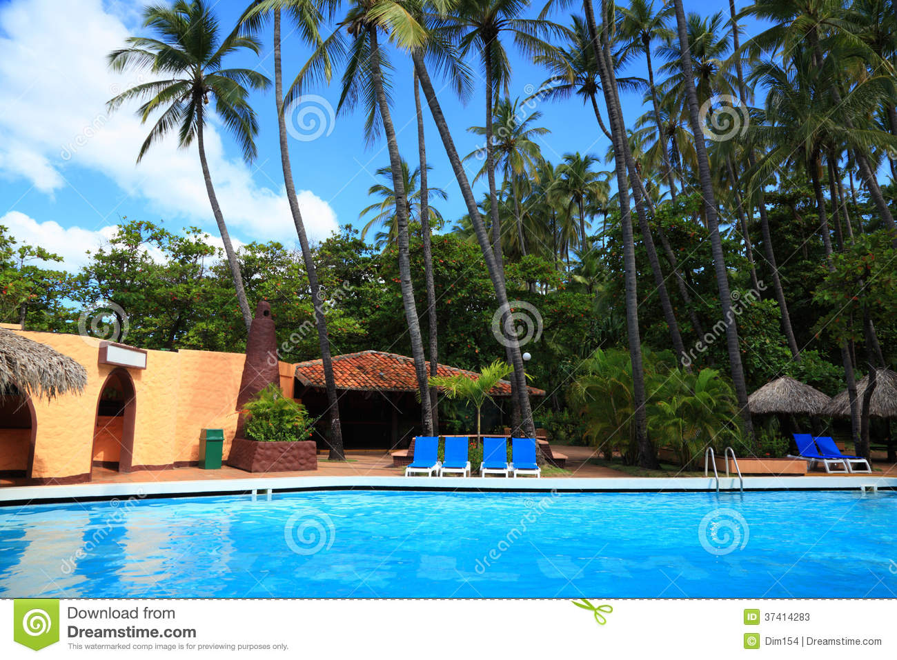 Deck Chairs Near Swimming Pool Stock Photos Image 37414283