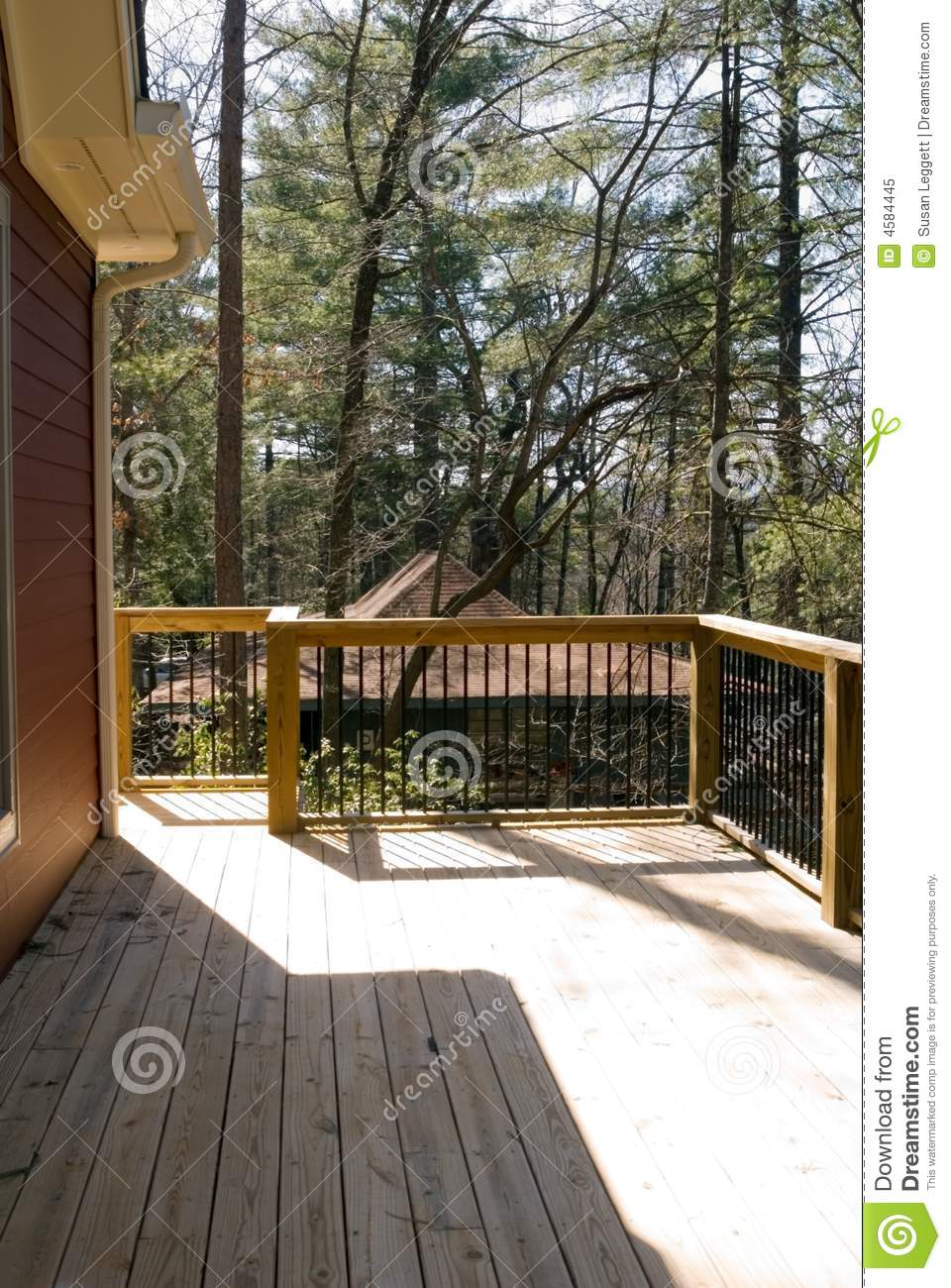Deck With Wood and Metal Rails