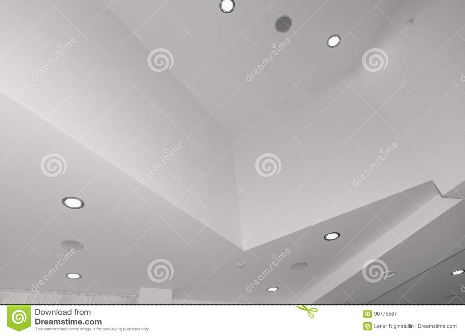 Moderne Lampen 67 : Decke und beleuchtung innerhalb des bürogebäudes stockbild bild