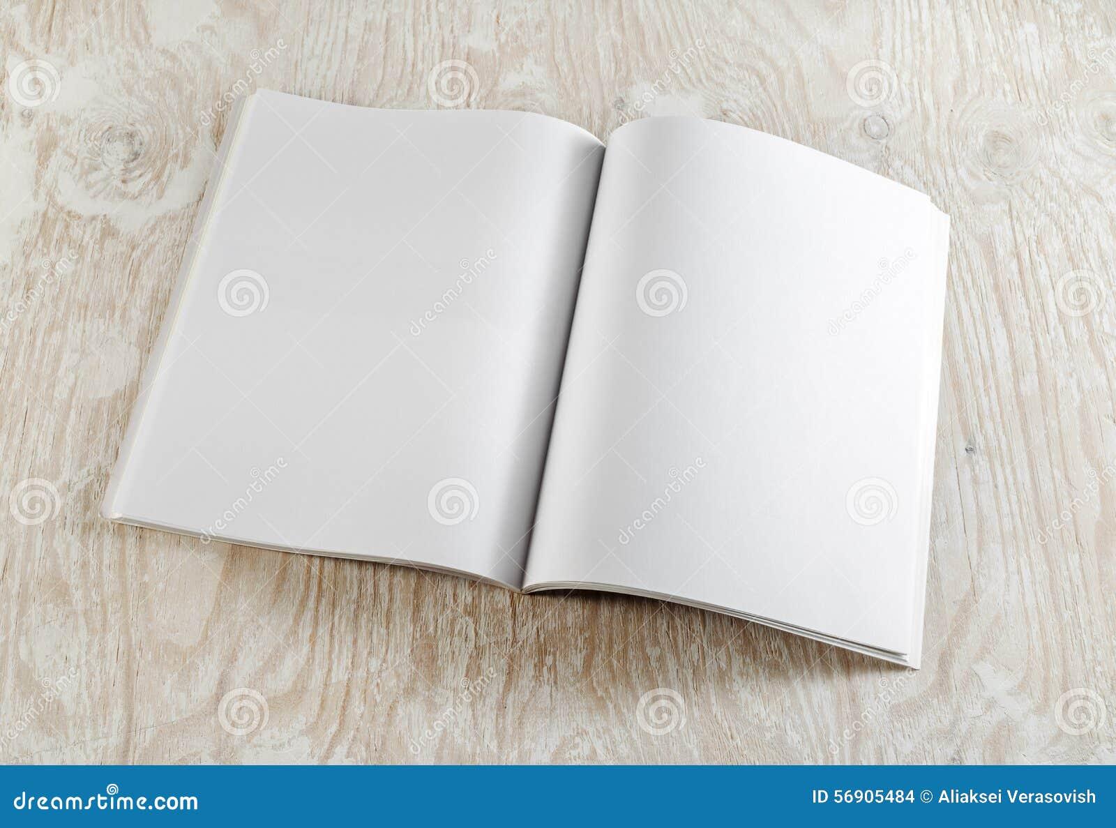 Decken Sie geöffnetes Buch ab