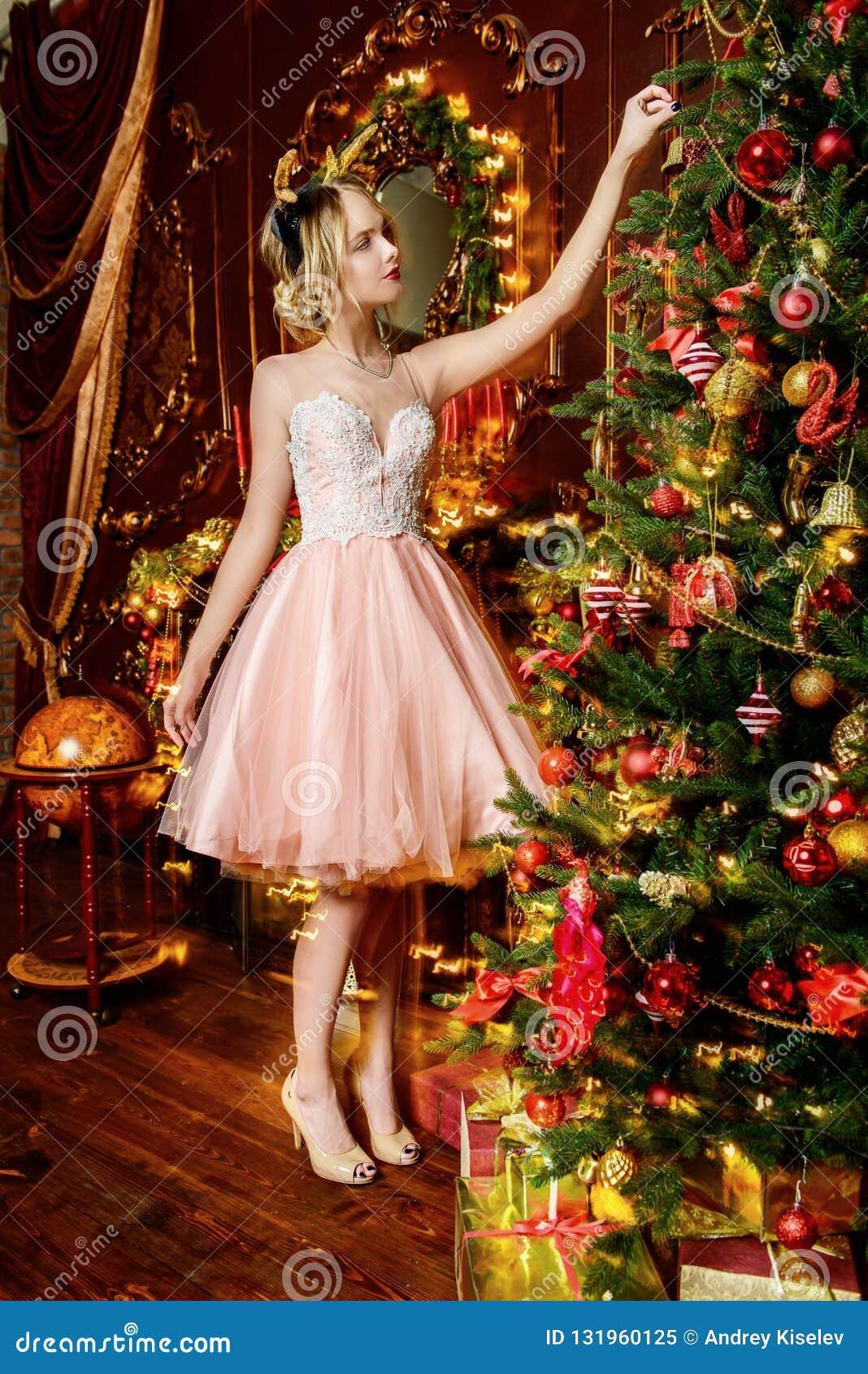 Decoração da árvore de Natal em apartamentos luxuosos