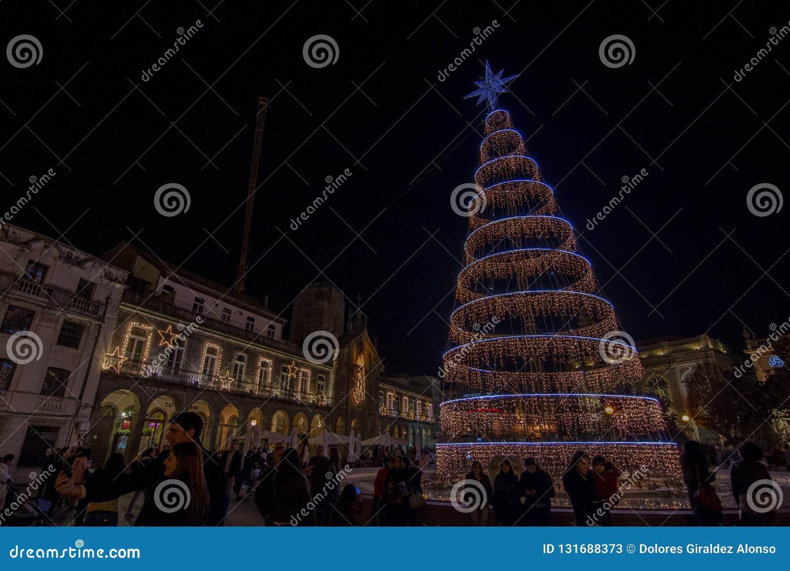 Decoração do Natal no quadrado da cidade Braga, Portugal