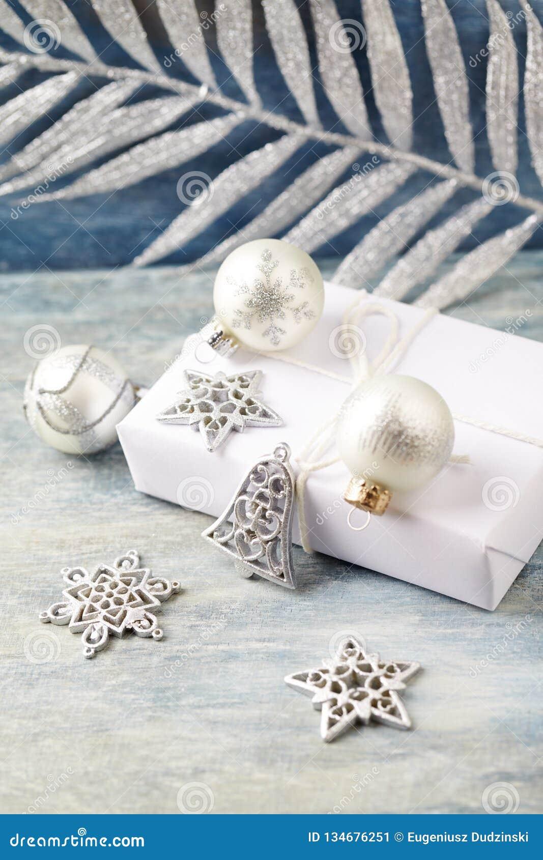 Decoração e presente do Natal Sino de Natal e quinquilharias de prata