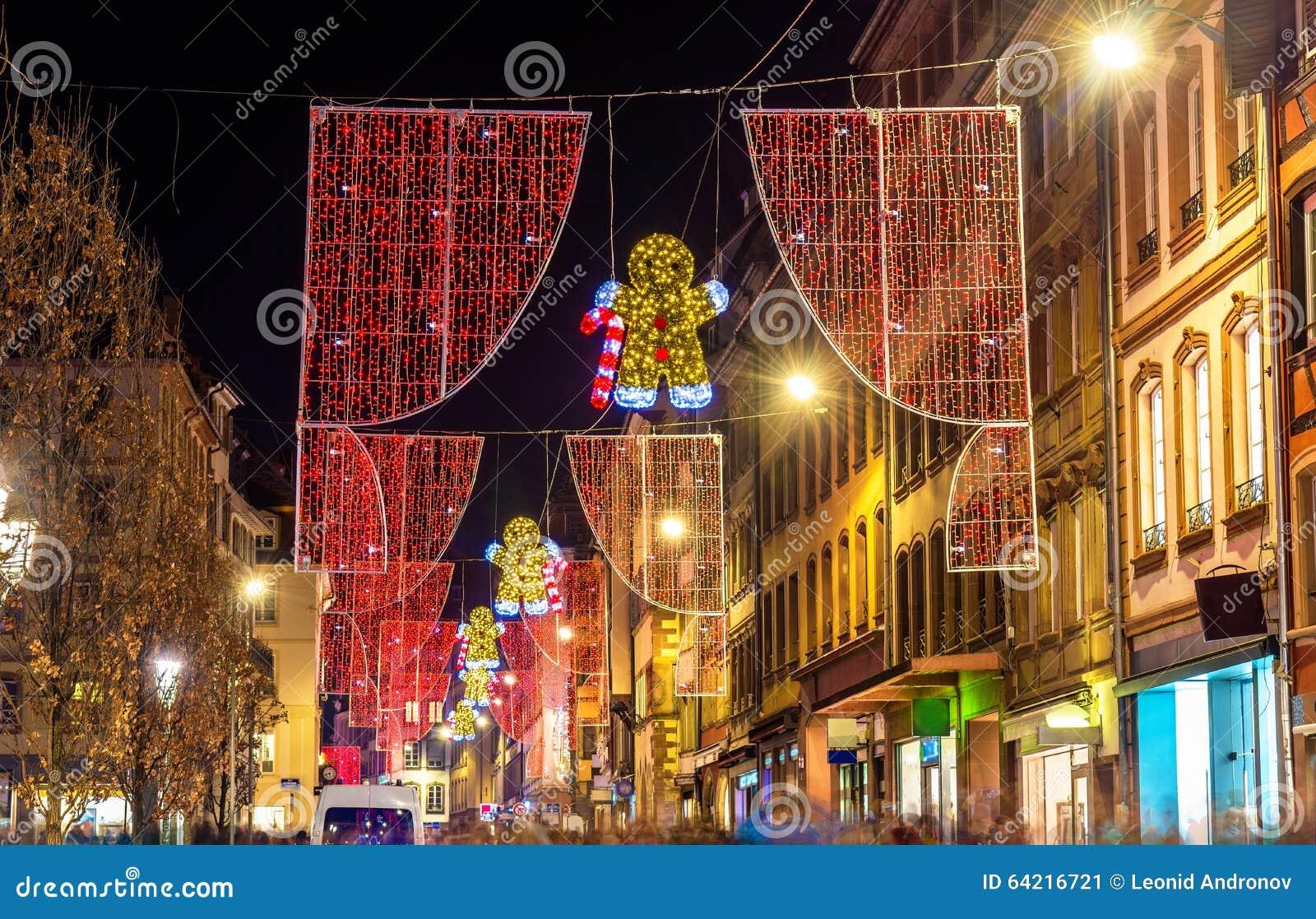 Decorações do Natal em ruas de Strasbourg france