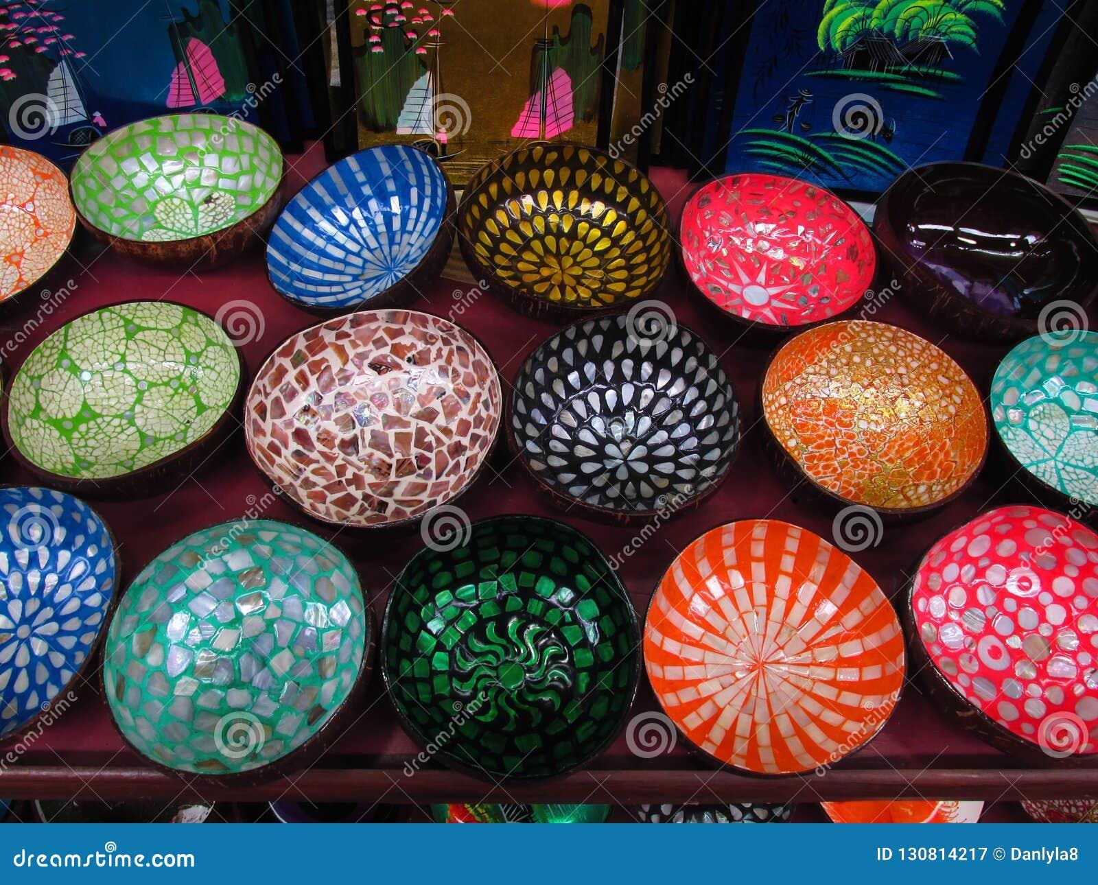 Decoración asiática Artesanías asiáticas Tazones de fuente coloridos
