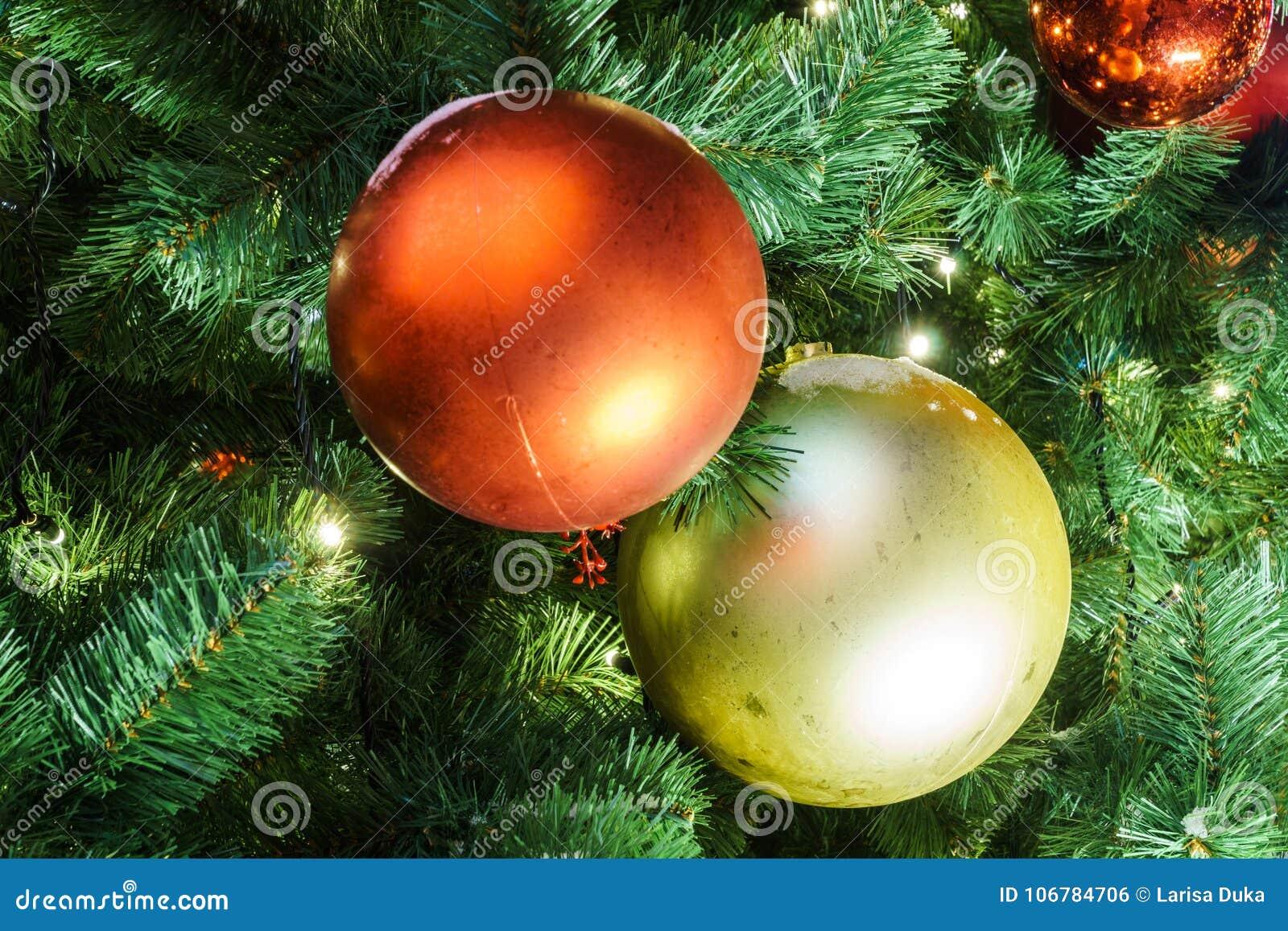 Decoración de la Navidad y del Año Nuevo en la ciudad de Moscú; viaje a Chr