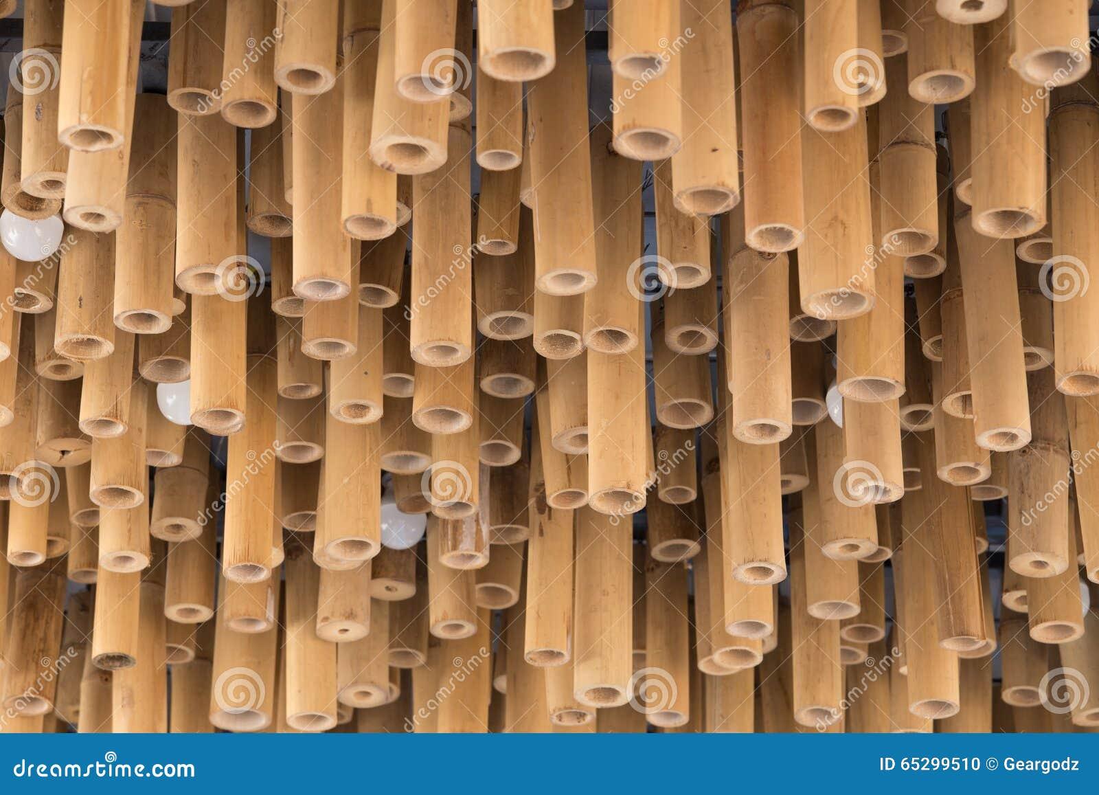Decoracion De Madera De Bambu En Fondo Del Techo Foto De Archivo - Decoracion-bambu