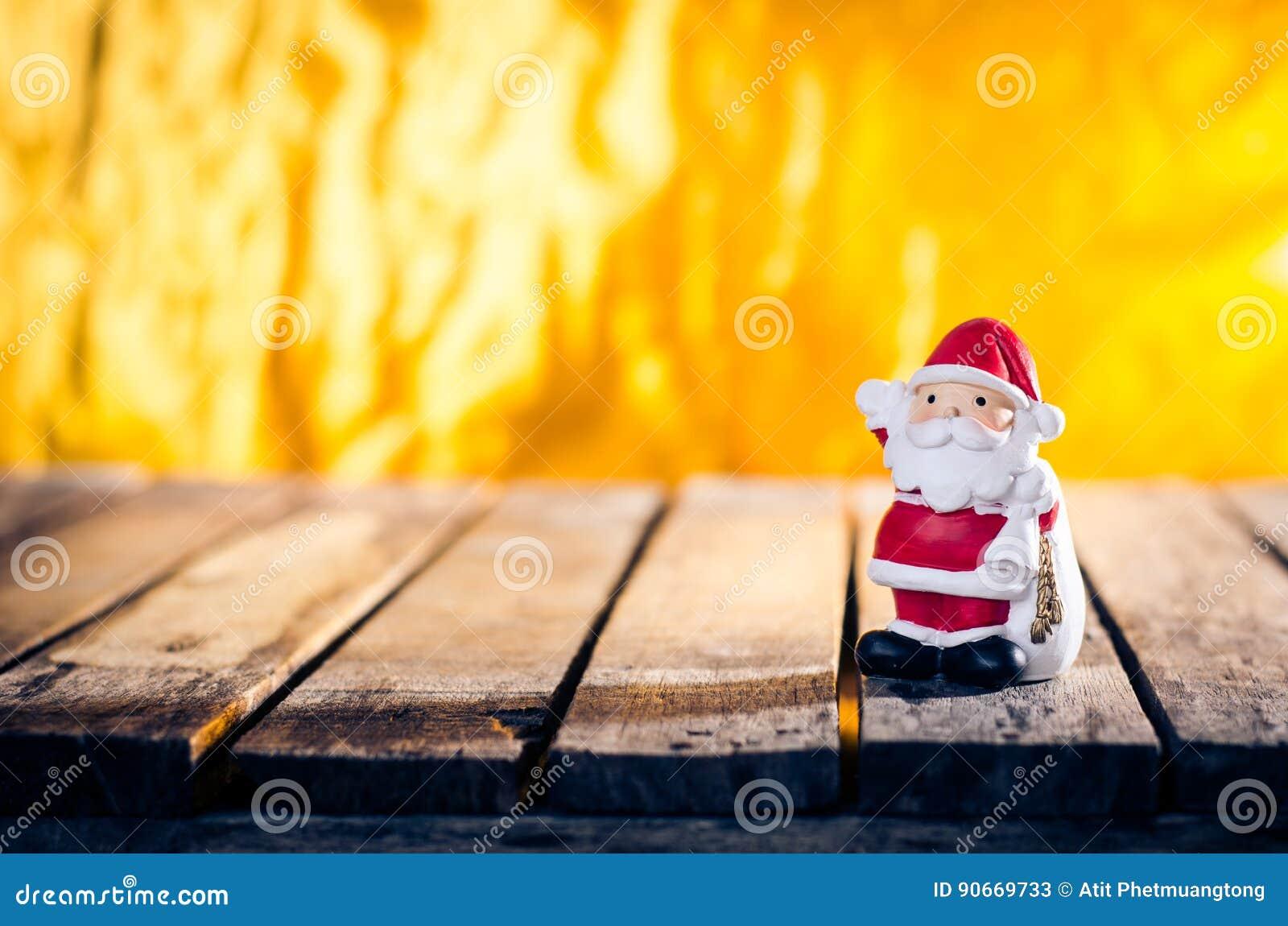 Decoración del ornamento de la Navidad con el color retro efectuado