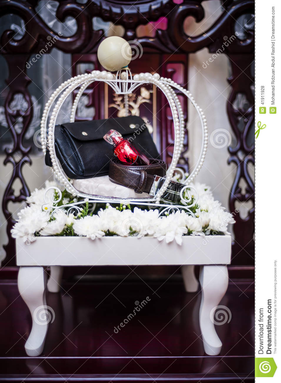 Decoración del regalo de boda