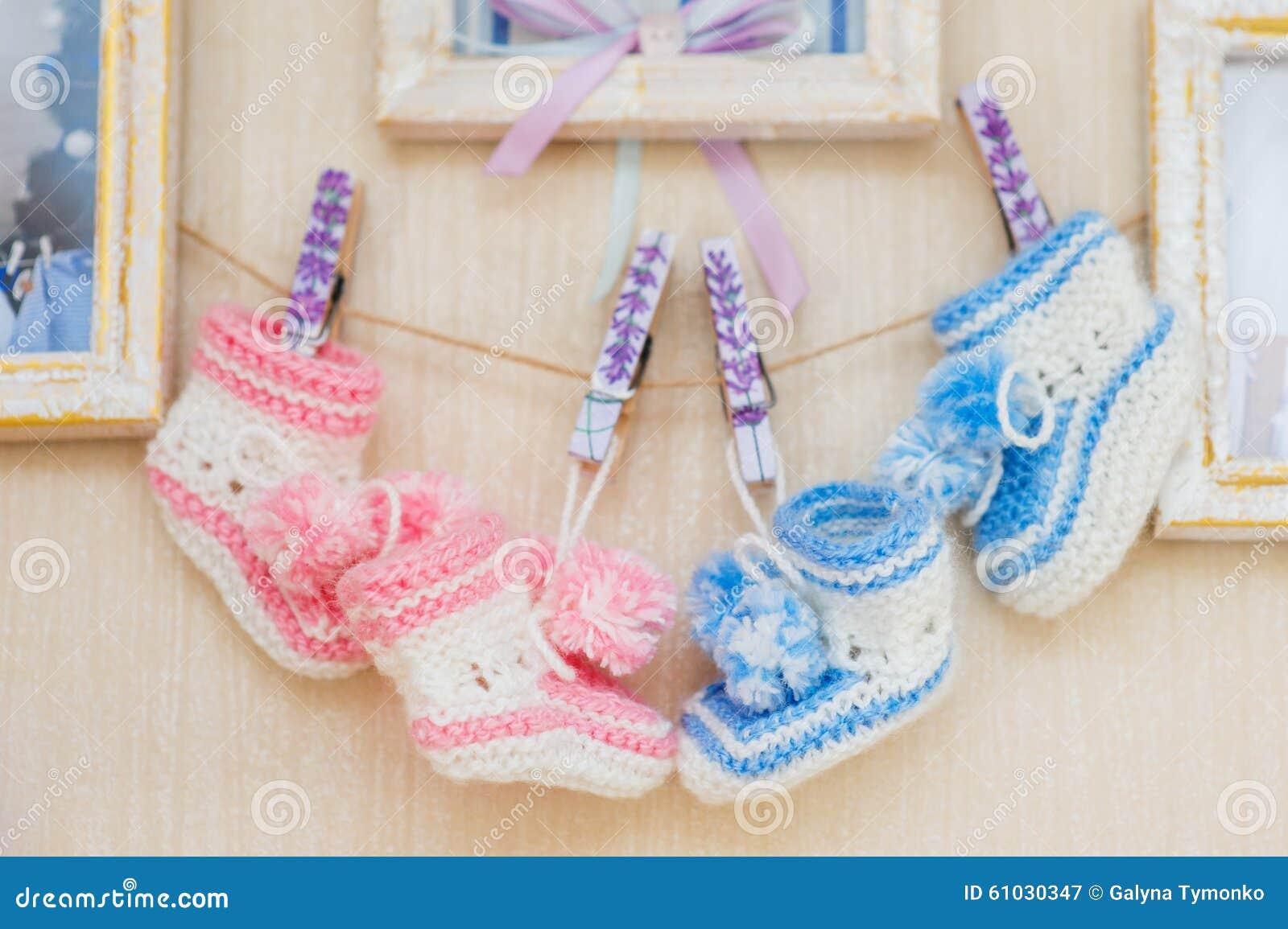 decoracin hermosa para un recin nacido zapatos de beb foto de archivo with decoracion bebes recien nacidos