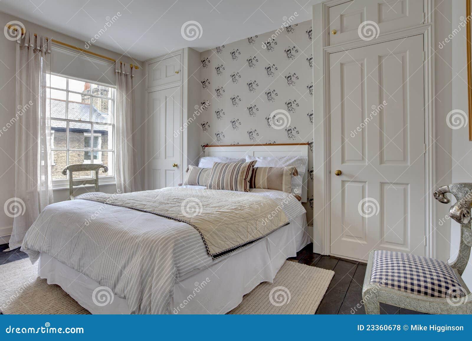 Decoraci n tradicional del dormitorio fotos de archivo - Decoracion del dormitorio ...