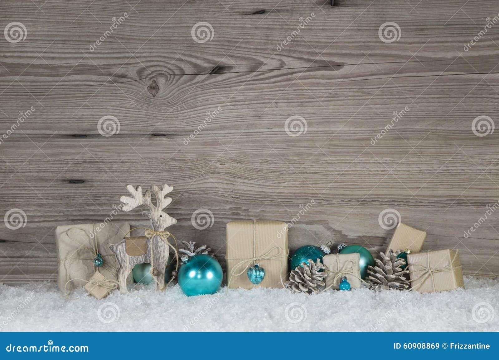 Decoraci n de la navidad de la madera y del papel en - Decoracion navidad papel ...