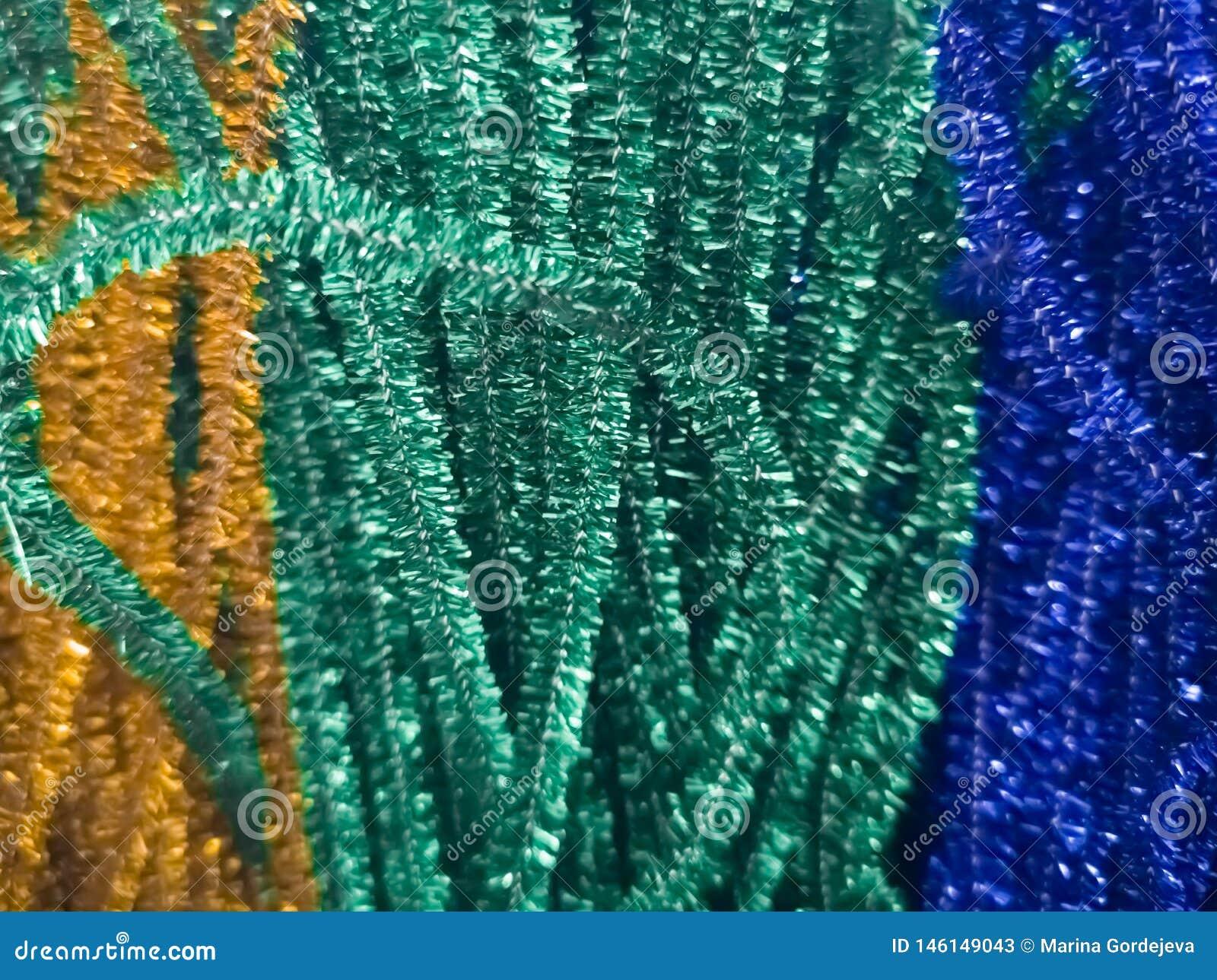 Decoraciones brillantes en diversos colores para la costura