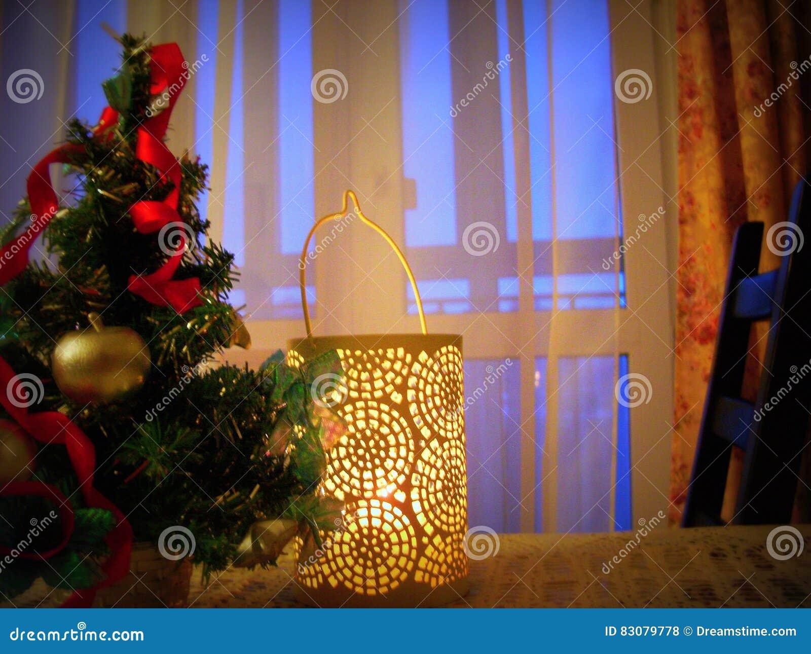 Decoraciones de la Navidad en la tabla