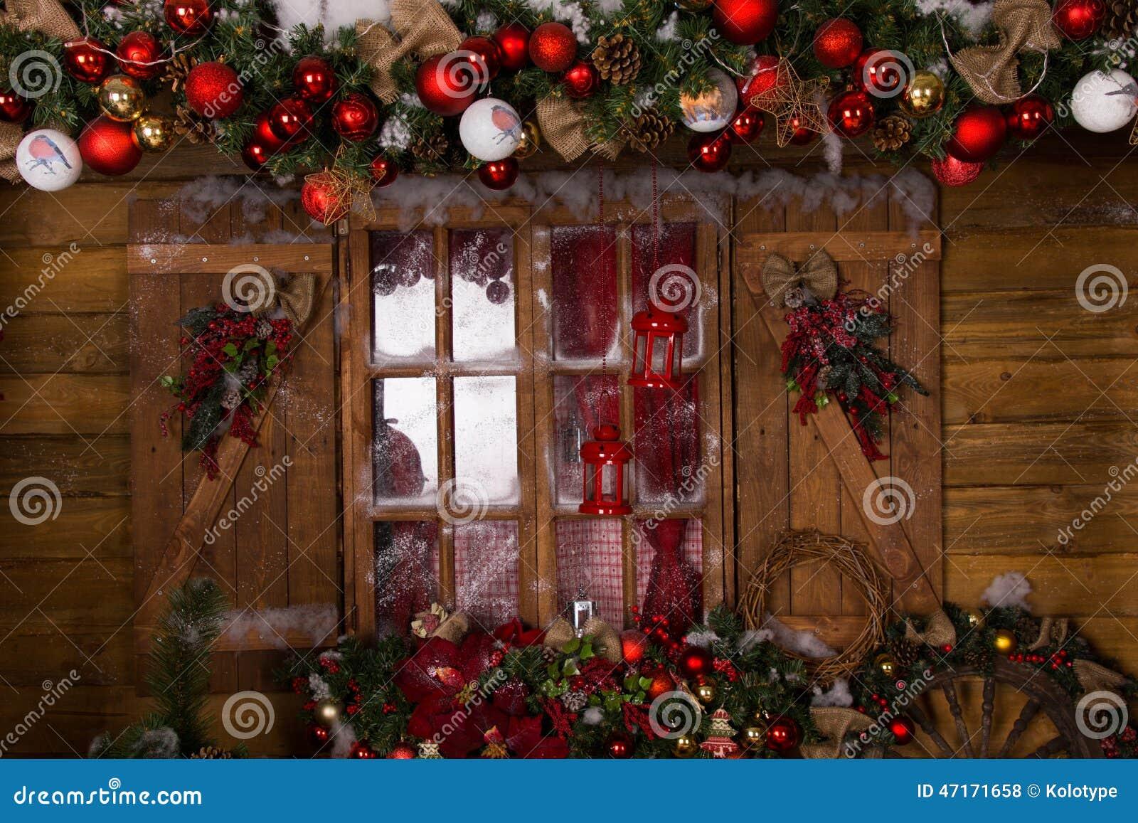 Decoraciones De La Navidad En La Ventana De Cristal Con El Marco De ...