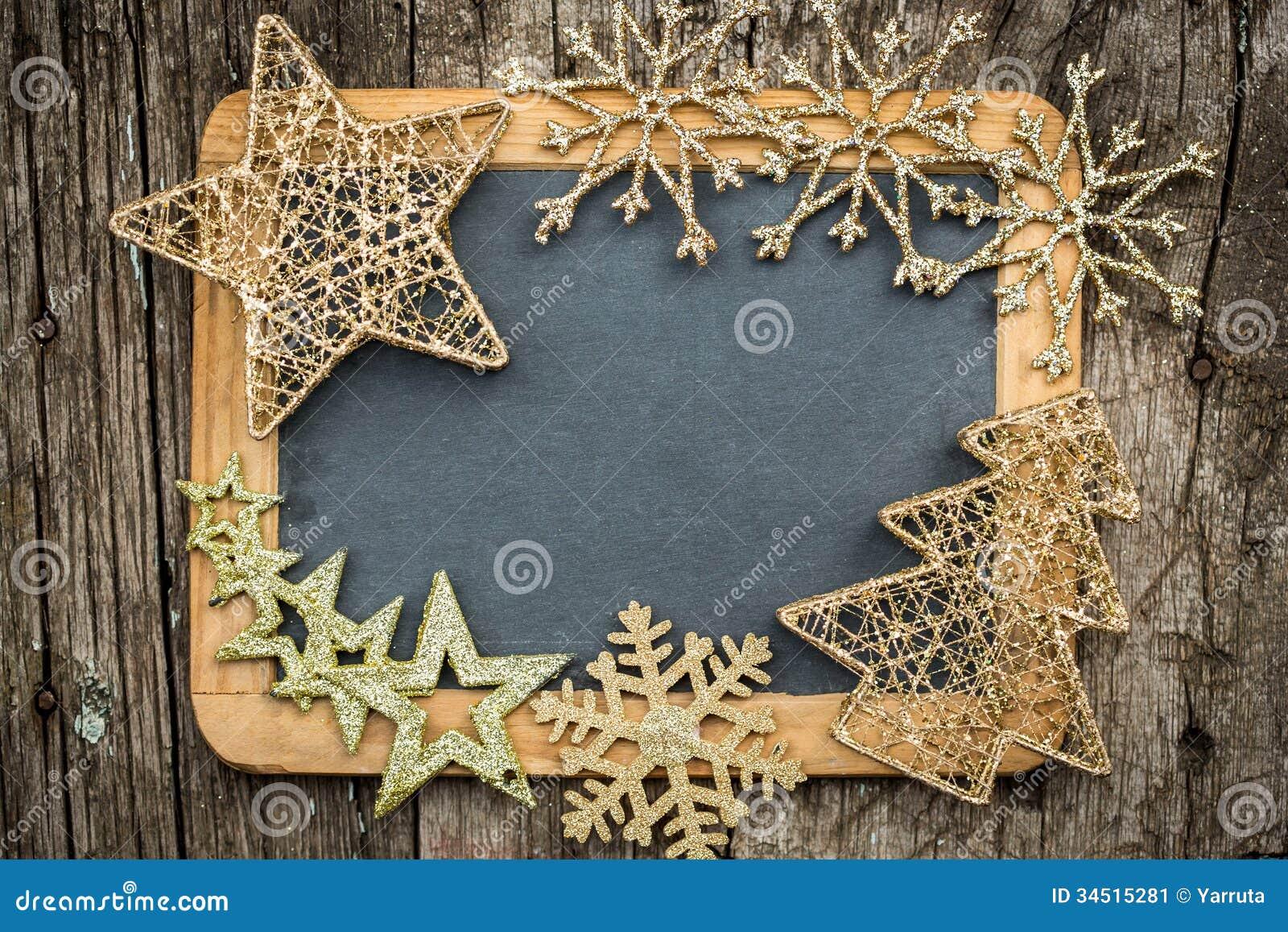 Decoraciones del rbol de navidad del oro en la pizarra de - Decoracion navidad vintage ...