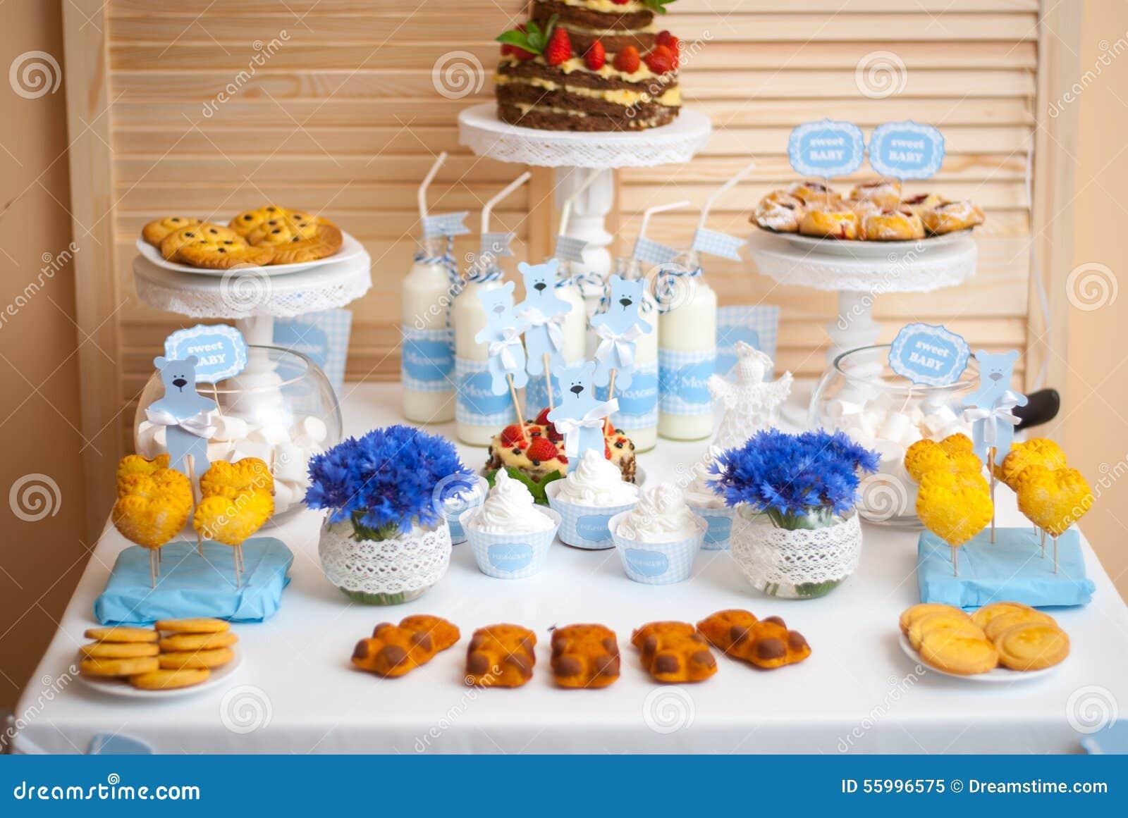 Decoraciones para el cumplea os de los ni os imagen de archivo imagen de vector fresa 55996575 - Decoraciones para bebes ...