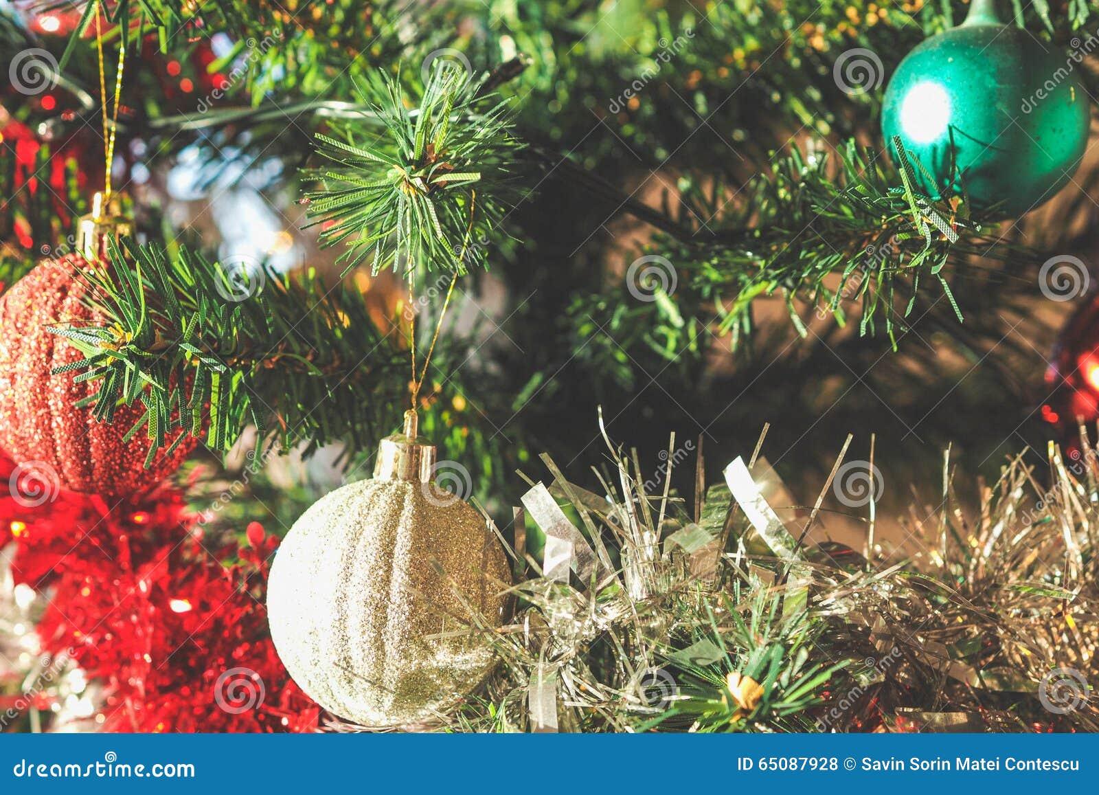Decoraciones pl sticas del rbol de navidad foto de - Decoraciones arboles de navidad ...