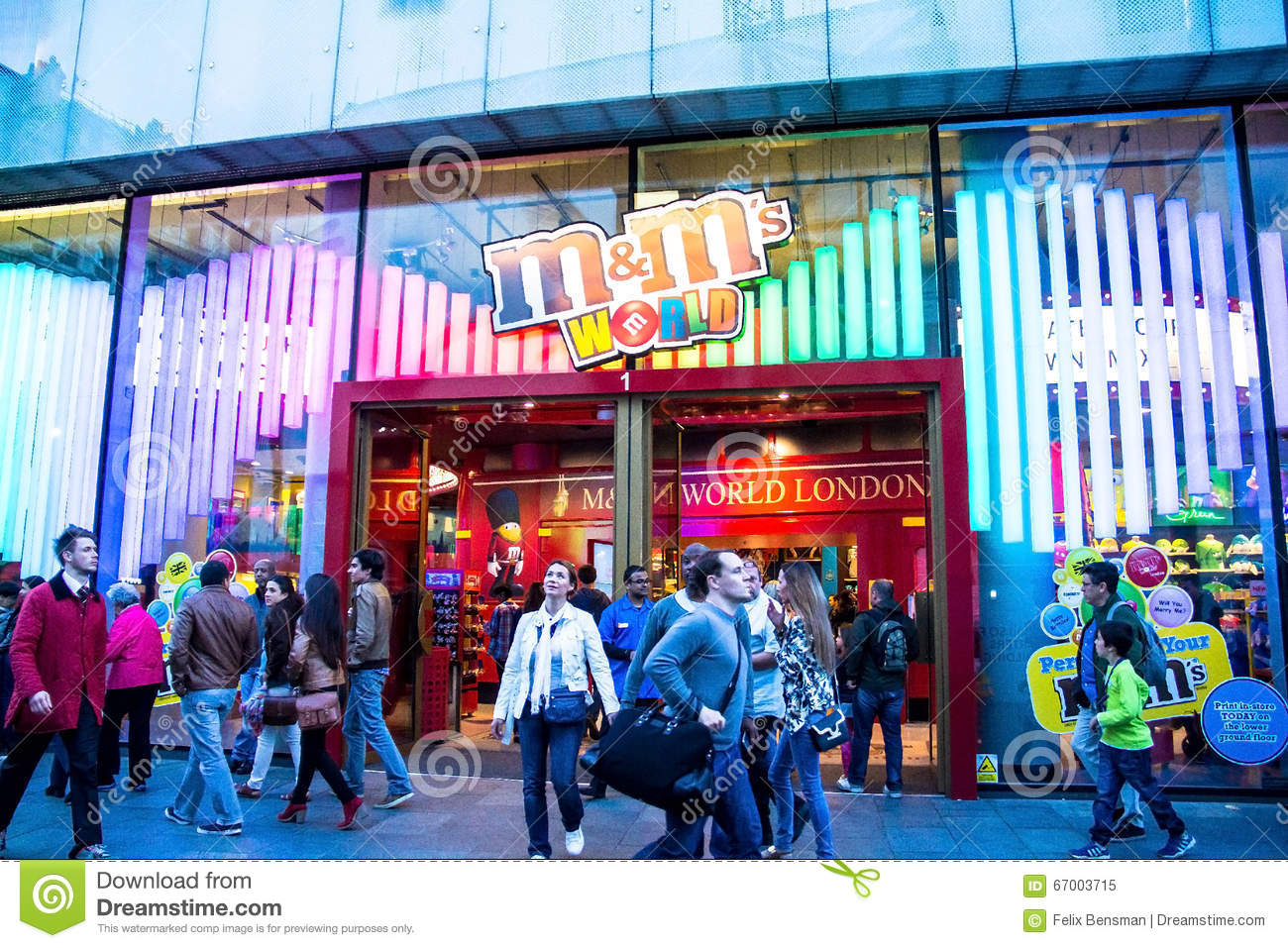 Located on the heart of Leicester Square, M&M's World is possibly London's sweetest attraction. Spread across 4 floors, the store is dedicated to the popular sweet M&M's with exclusive chocolates, merchandise plus limited editions and seasonal items/10(12K).