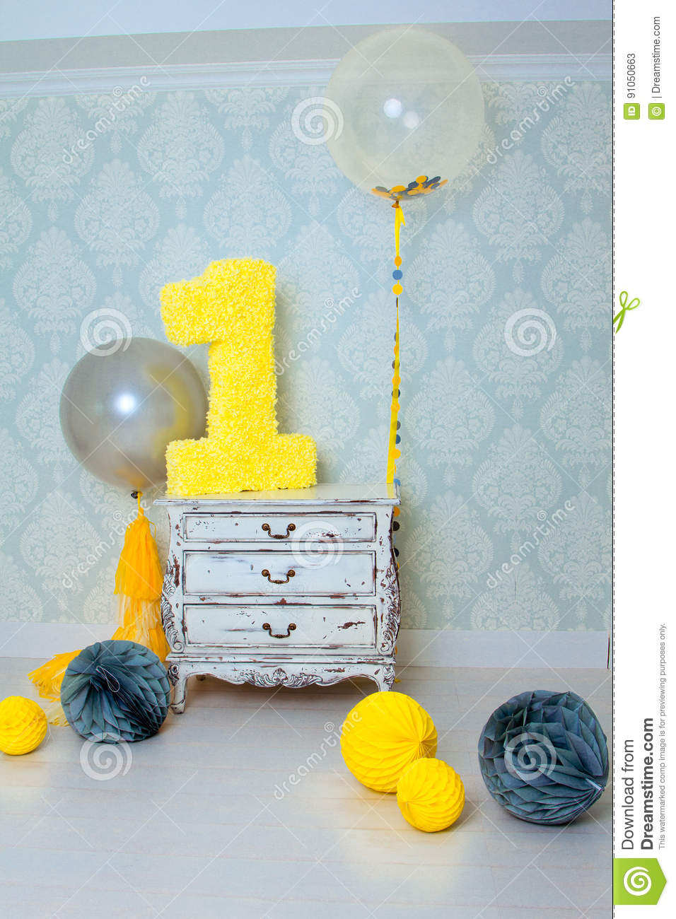 Decorated number 1 for a birthday.