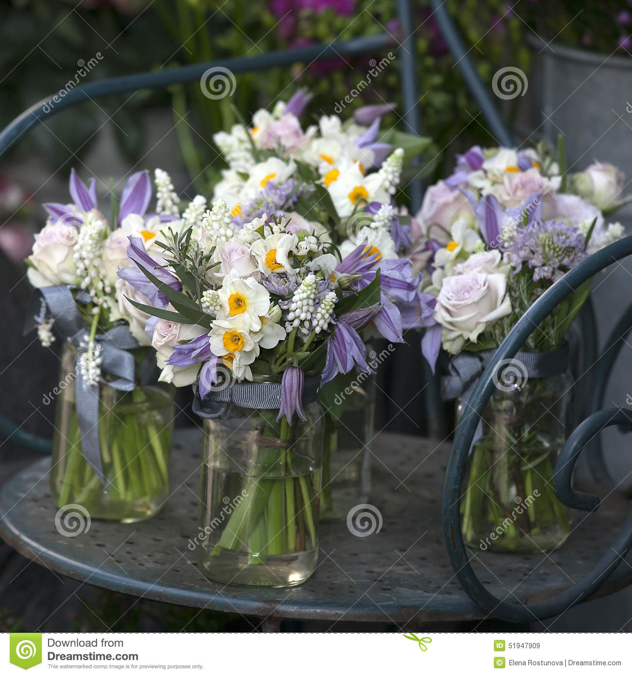 decoration of dining table bouquet of white narcissus in vase o royalty free stock photography. Black Bedroom Furniture Sets. Home Design Ideas
