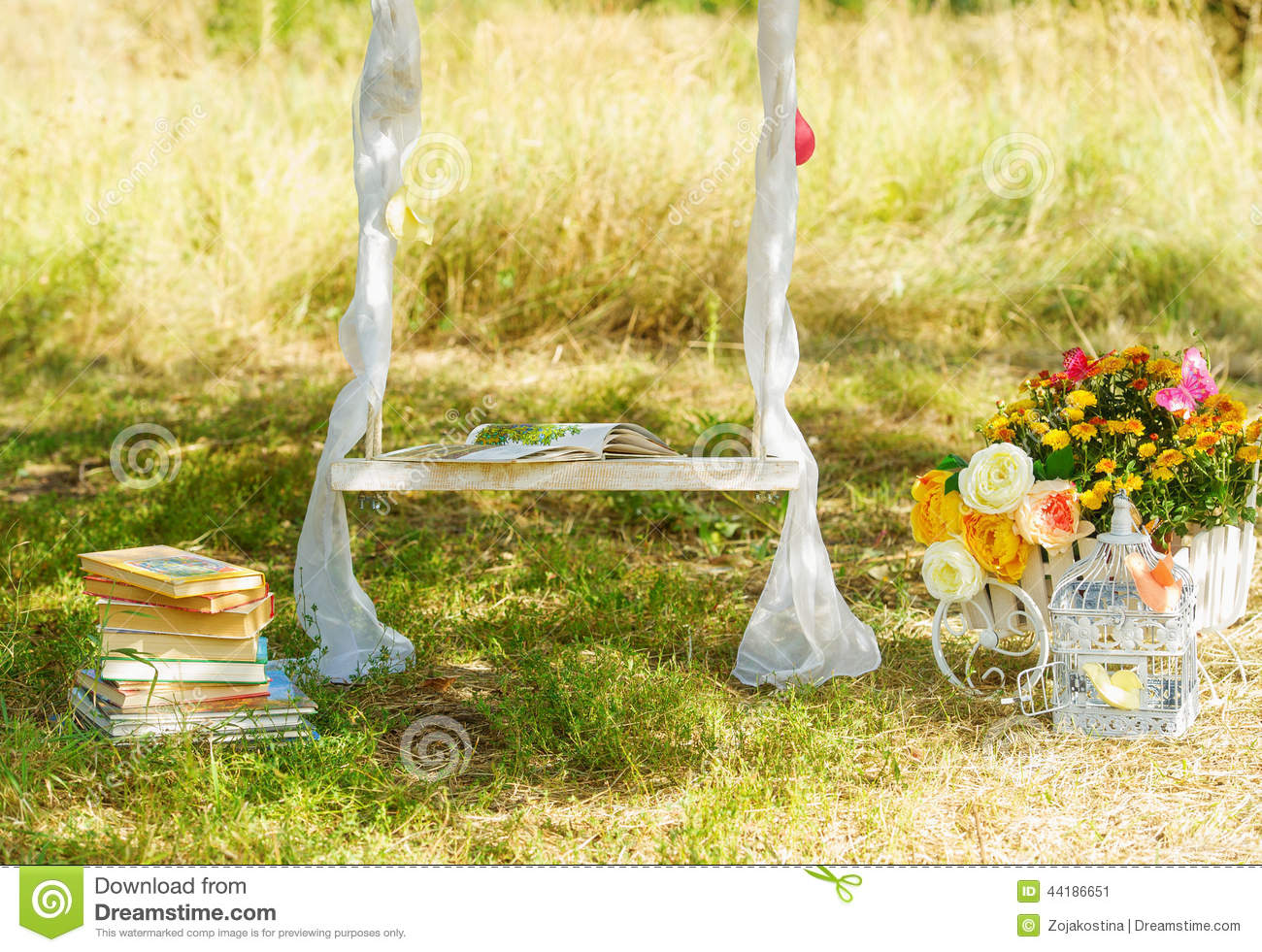 Grand Stickers Reine Des Neiges : Decoration Stuff For Wedding Stock Photo  Image 44186651