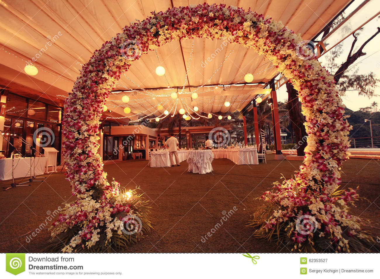 Decoration wedding flower arch stock image image 62353527 for Photo decoration