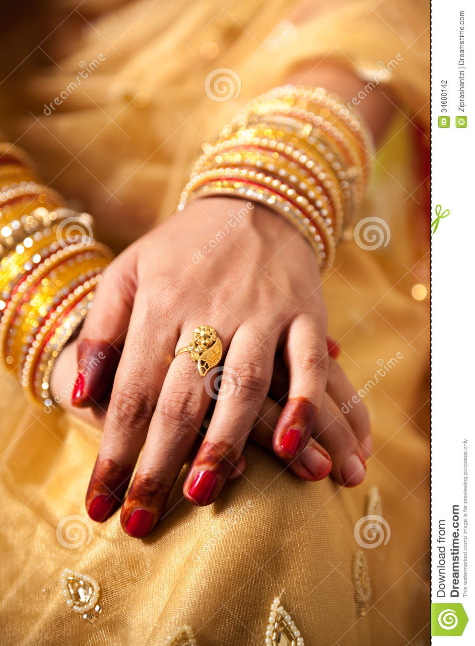 Decorative hand of bride stock photo. Image of indian - 34680142