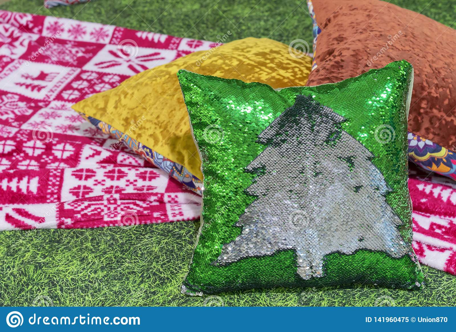 Decorative pillow with Christmas tree from sequins