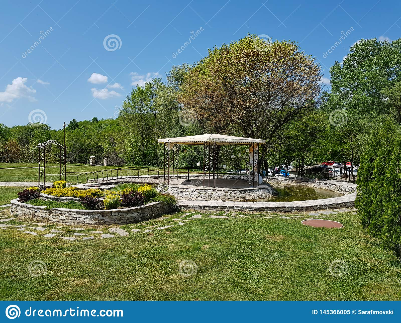 Reception Ceremony Length: Decorative Place For Ceremonies Or Entertainments. Outdoor
