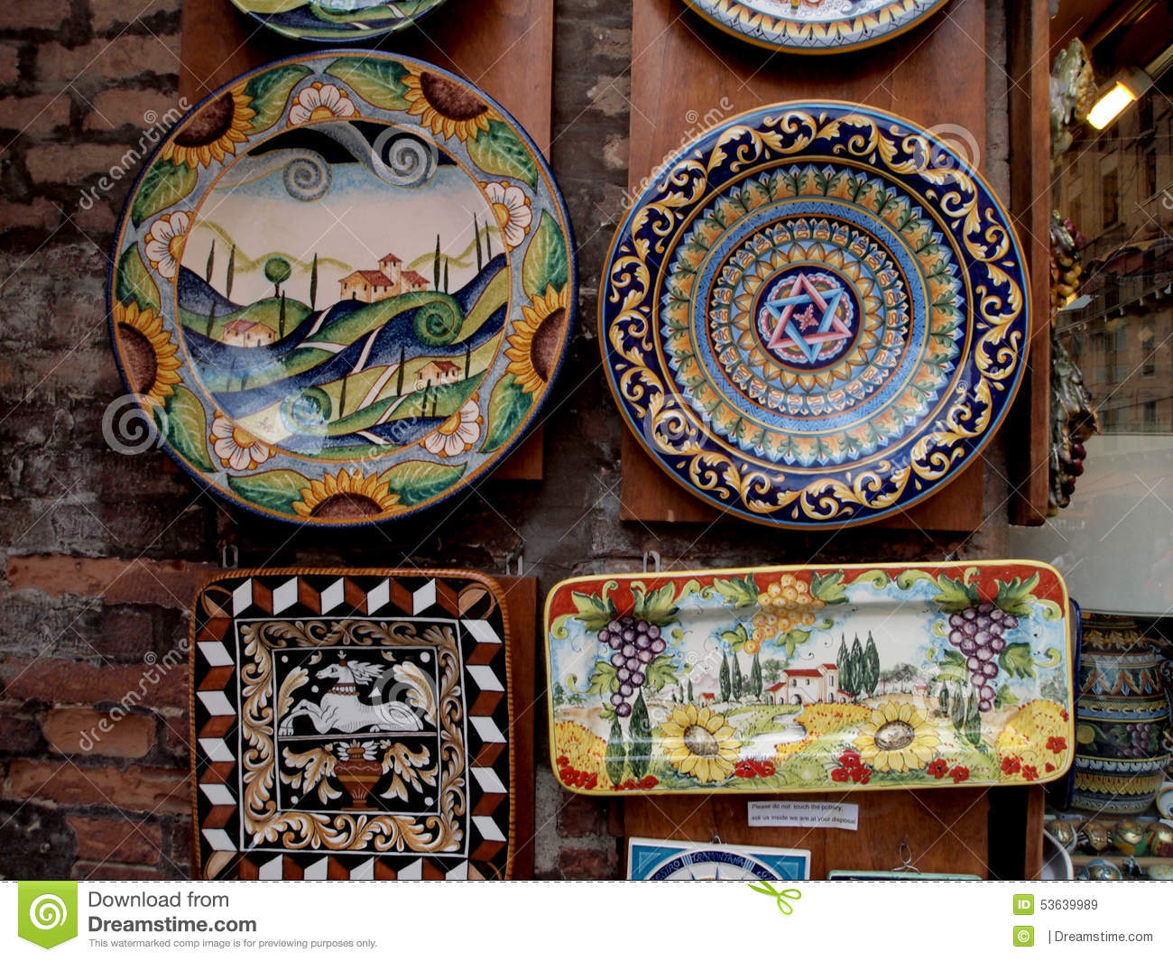 Decorative Wall Plates For Hanging: Wall Decorative Plates Hanging & How To Beautify Your