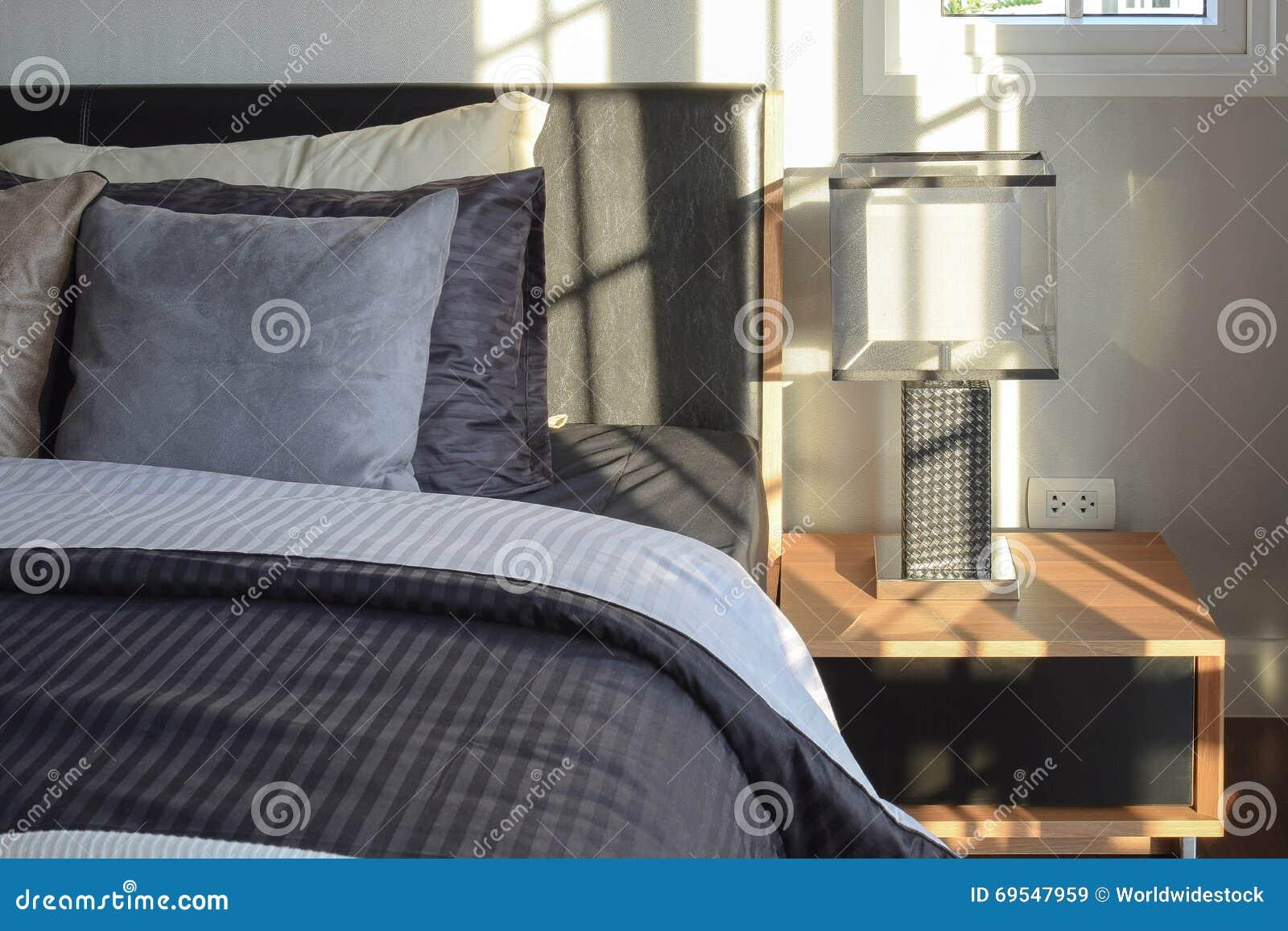 Comò Camera Da Letto Moderna : Odini per camera da letto odini e cassettiere moderne per como