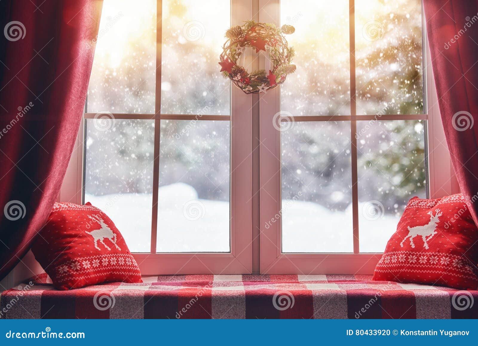 Decorato per la finestra di Natale