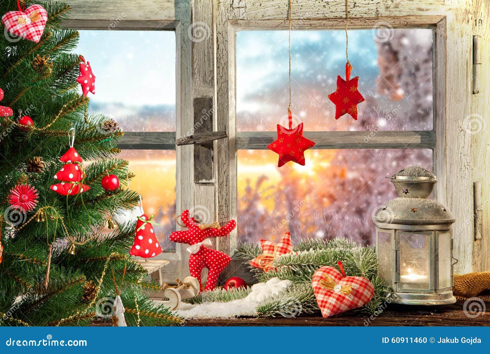Decorazione atmosferica del davanzale della finestra di - Davanzale finestra ...