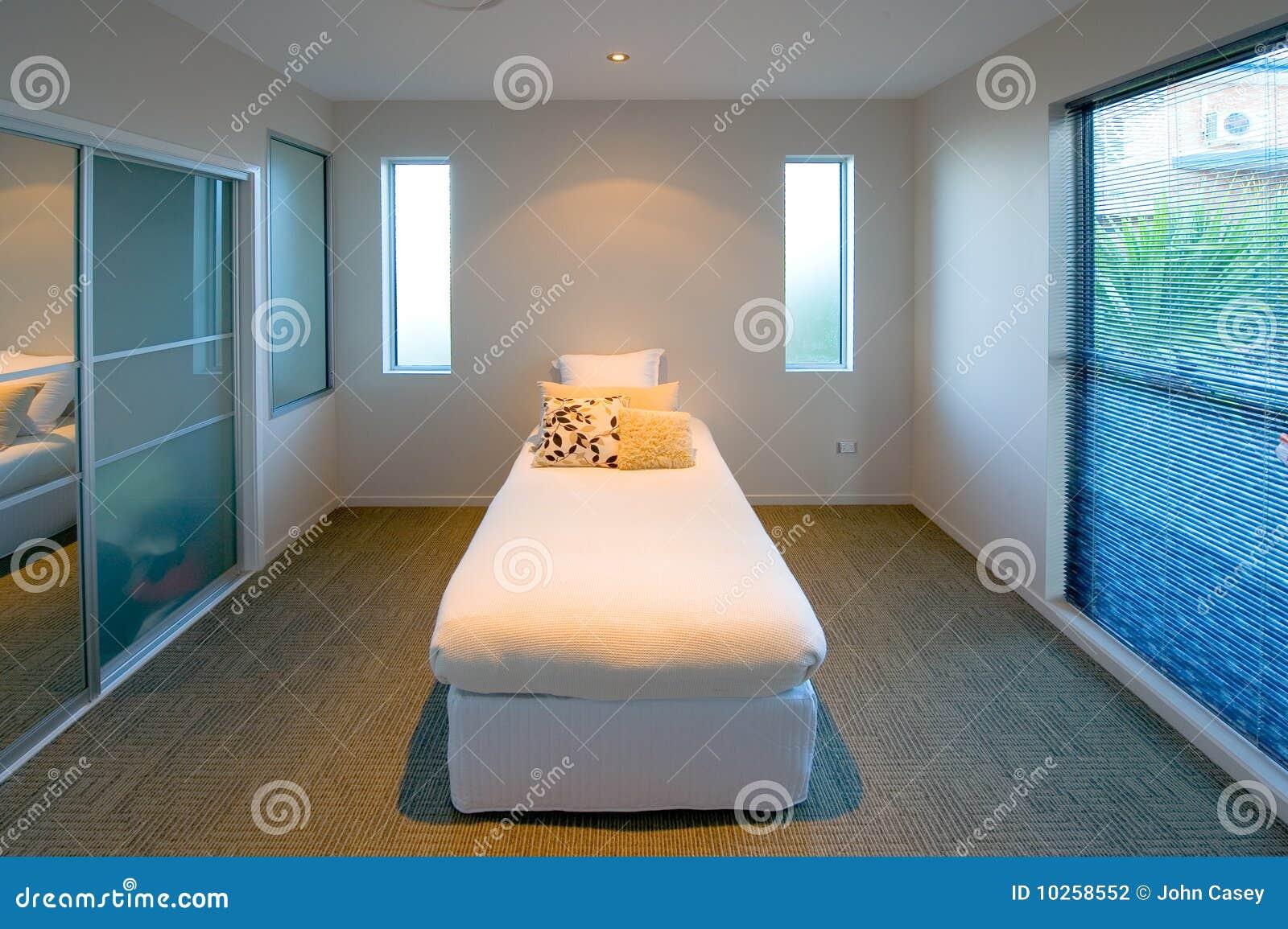 Decorazione della camera da letto fotografia stock immagine 10258552 - Descrizione della camera da letto ...