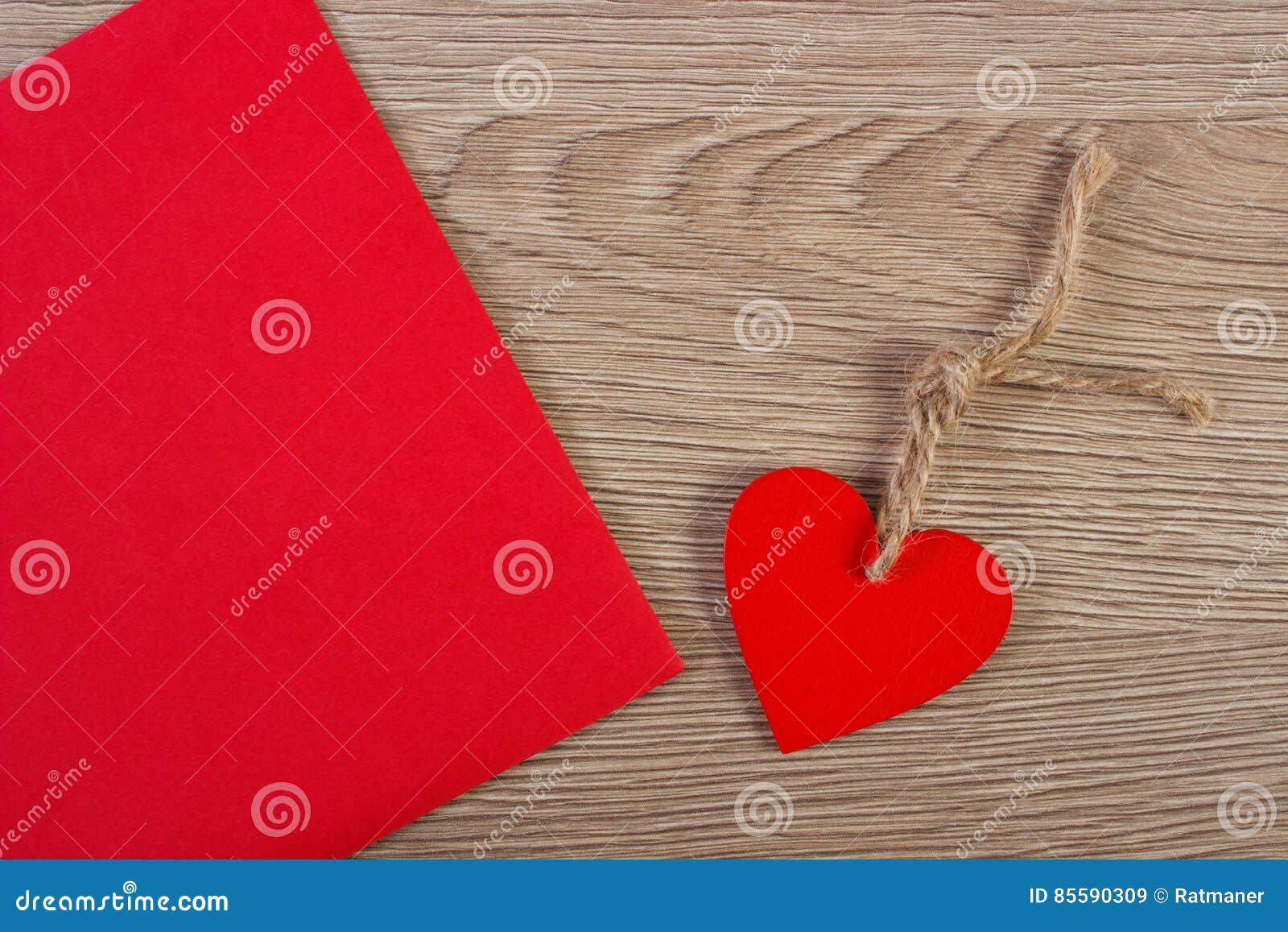 Decorazioni Lettere D Amore decorazione della lettera di legno di amore e del cuore per