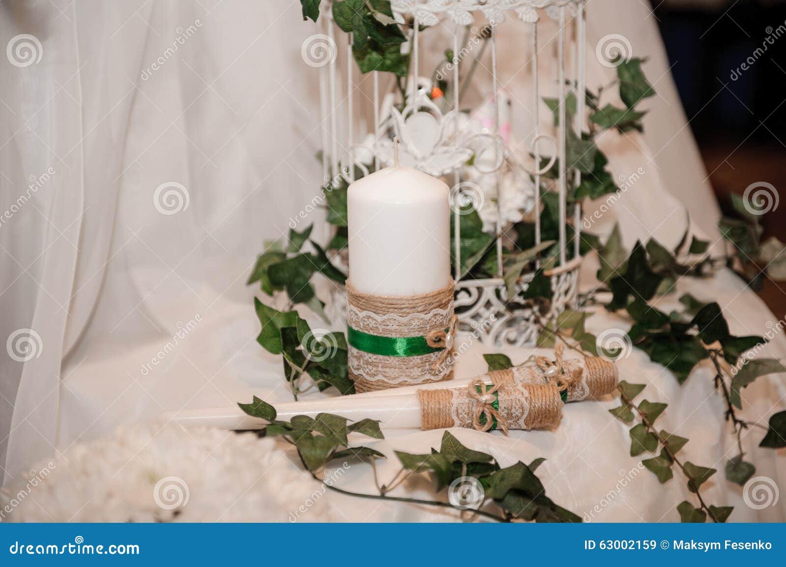 Decorazioni Da Tavola Per Natale : Decorazione della tavola di natale nel bianco e nel verde immagine