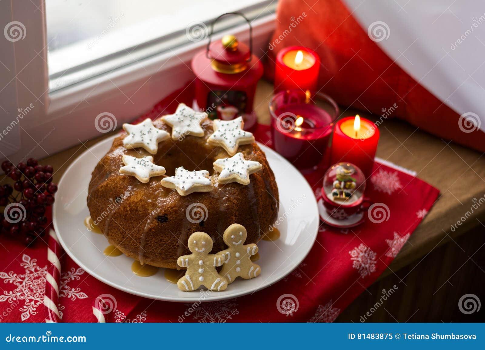 Decorare Candele Di Natale : Decorazione di natale dolce pan di zenzero uomini e candele di