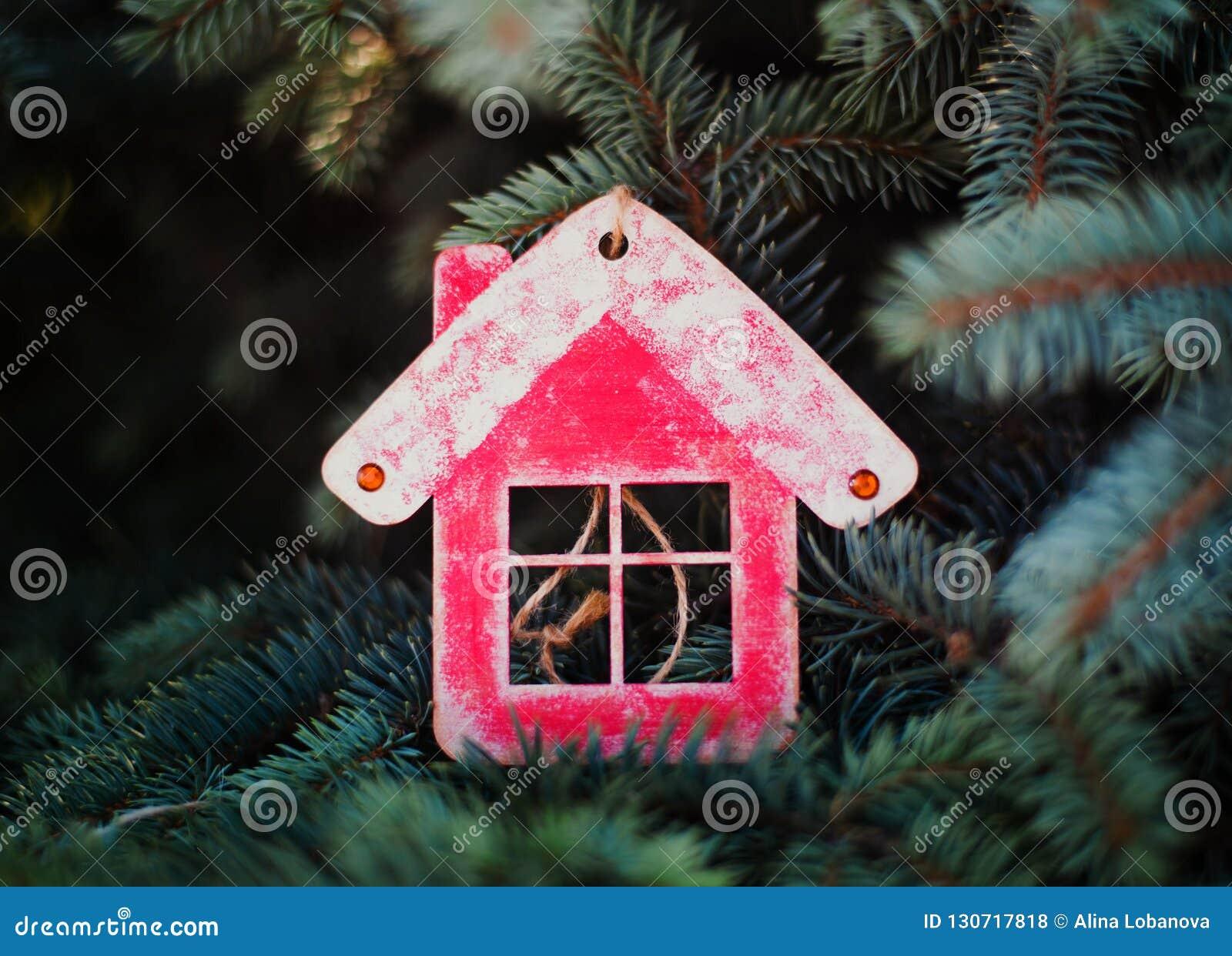 Decorazioni In Legno Per La Casa : Decorazione di natale sotto forma di casa di legno rossa per il
