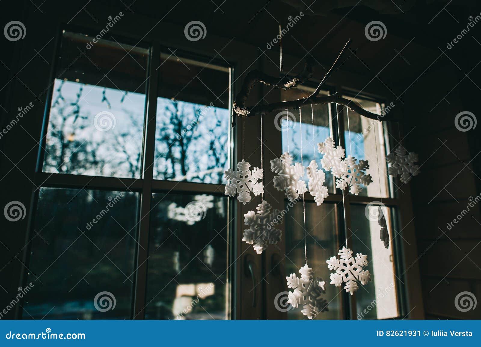 Decorazione Finestre Per Natale : Decorazione di natale sulla finestra immagine stock immagine di