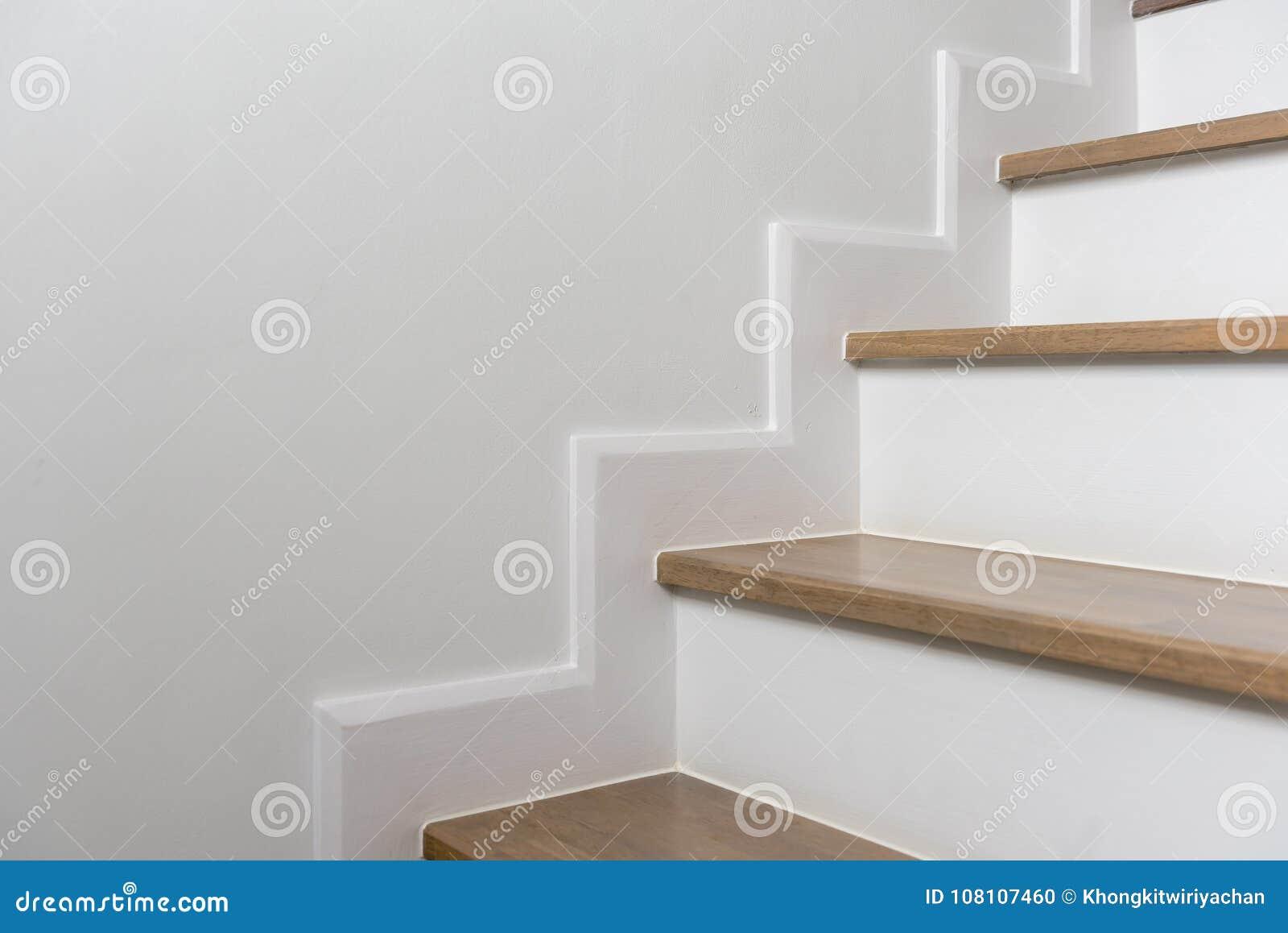 Scala Di Legno Decorativa decorazione interna della scala di legno fotografia stock