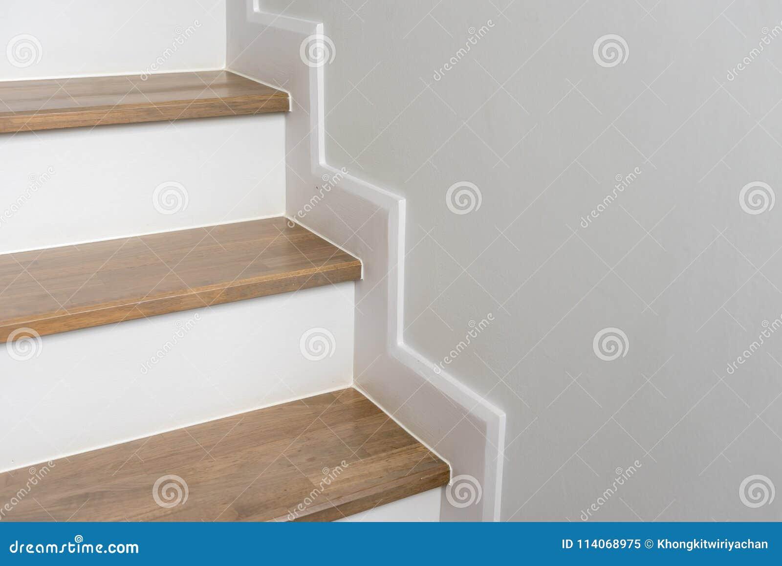 Scala Di Legno Decorativa decorazione interna della scala di legno immagine stock