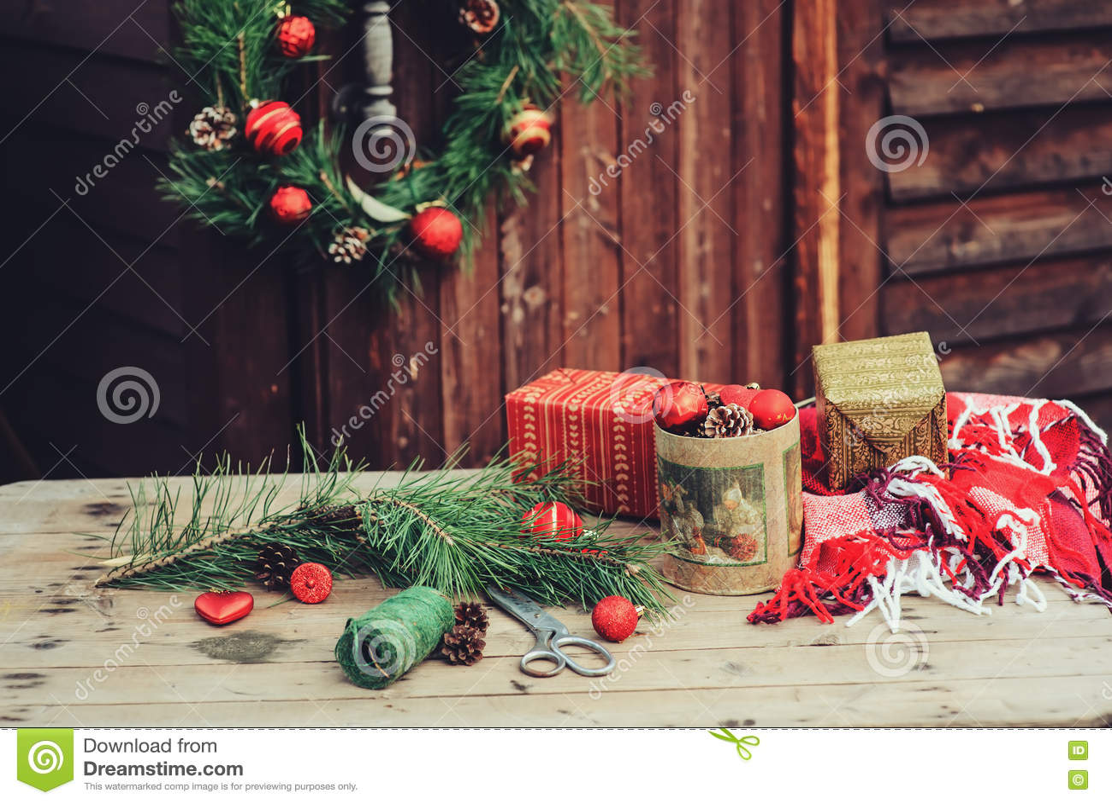 Decorazioni Per Casa Di Natale : Decorazioni d annata di natale alla casa di campagna di legno